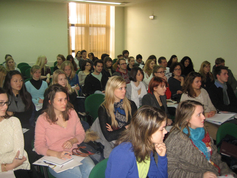 La Facultad de Economía y Empresa recibe a sus alumnos extranjeros