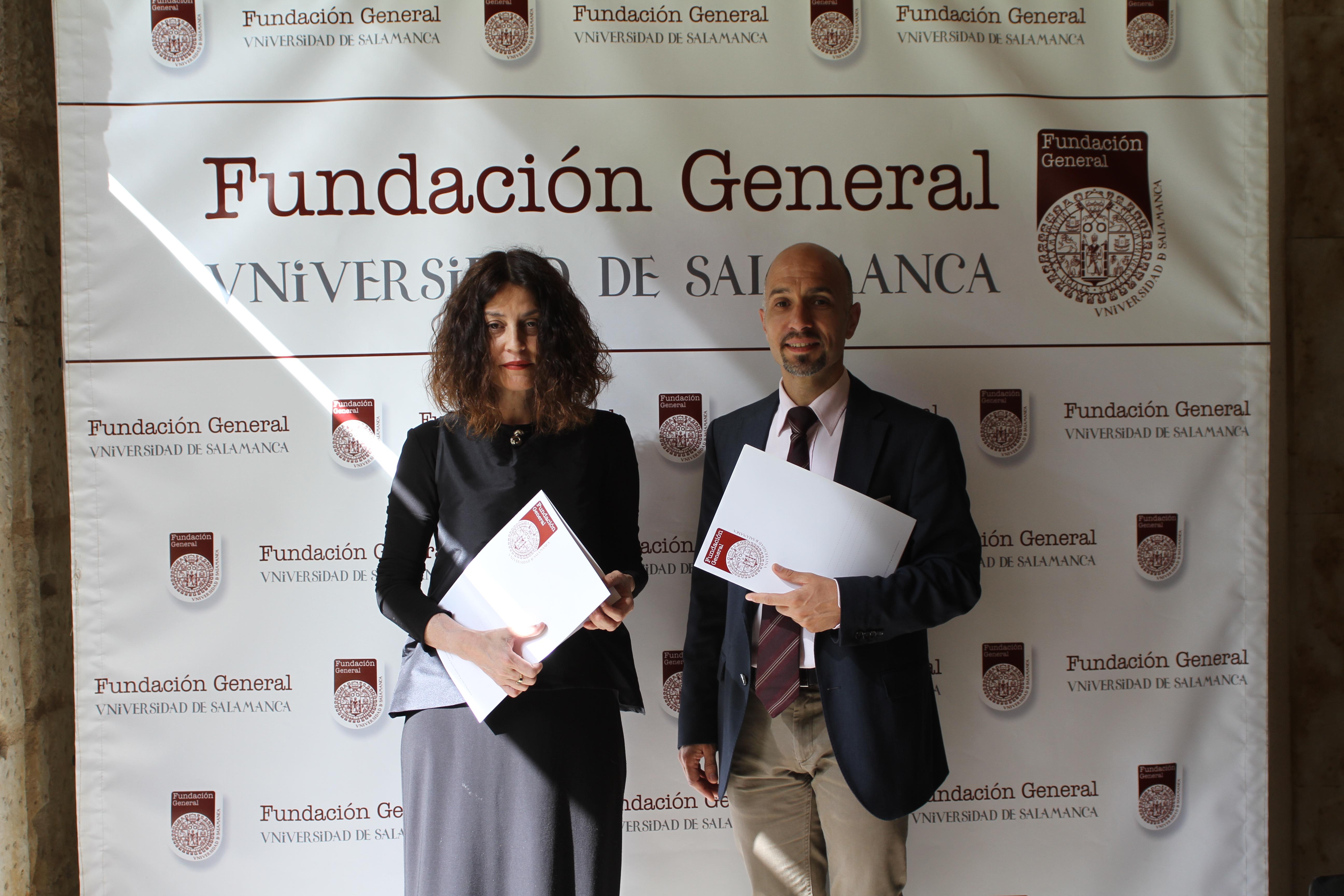 La diseñadora Fely Campo firma un convenio con la Fundación General de la Universidad de Salamanca para la realización de actividades conjuntas