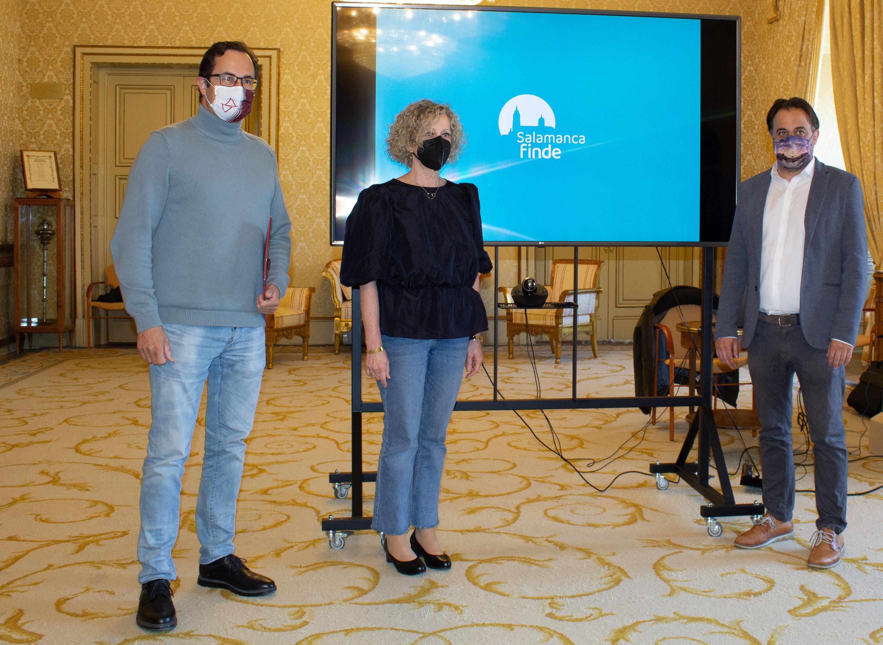 José Luis Fuentecilla, Celia Aramburu y Fernando Castaño en la presentación del proyecto 'Salamanca Finde