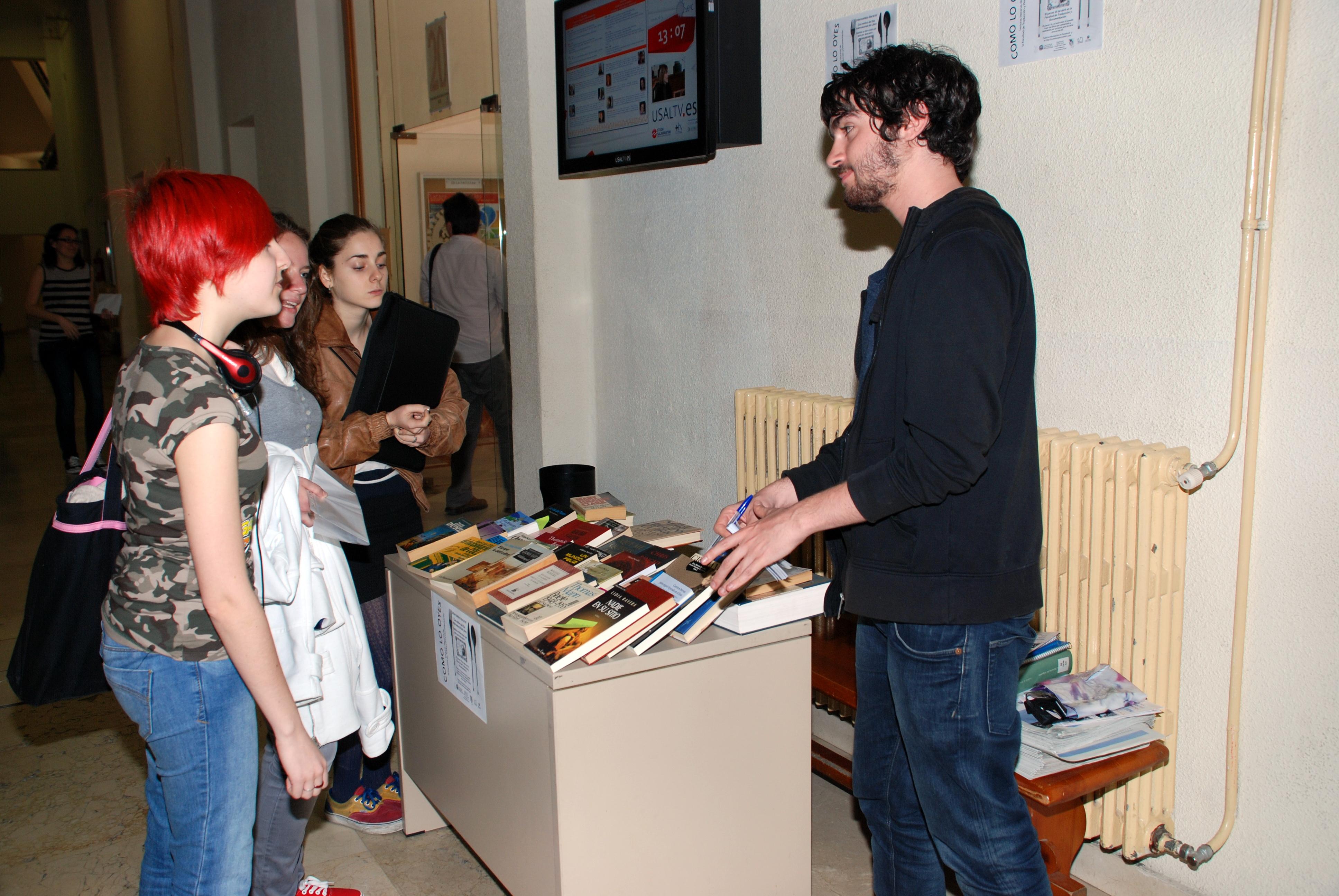La Facultad de Traducción y Documentación de la Usal organiza un intercambio literario con motivo del Día Internacional del Libro