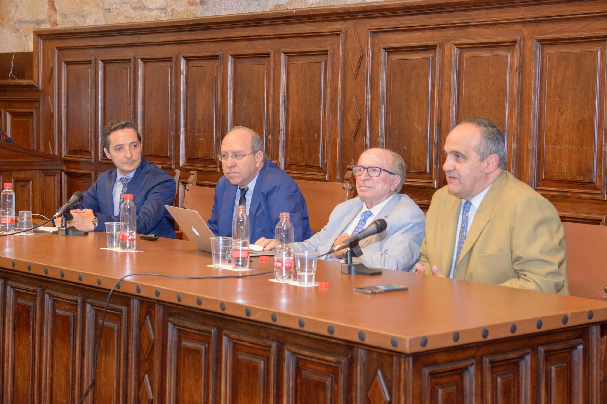 El director del Centro Nacional de Altas Tecnologías expone en la Universidad de Salamanca el estado de la investigación en el país centroamericano