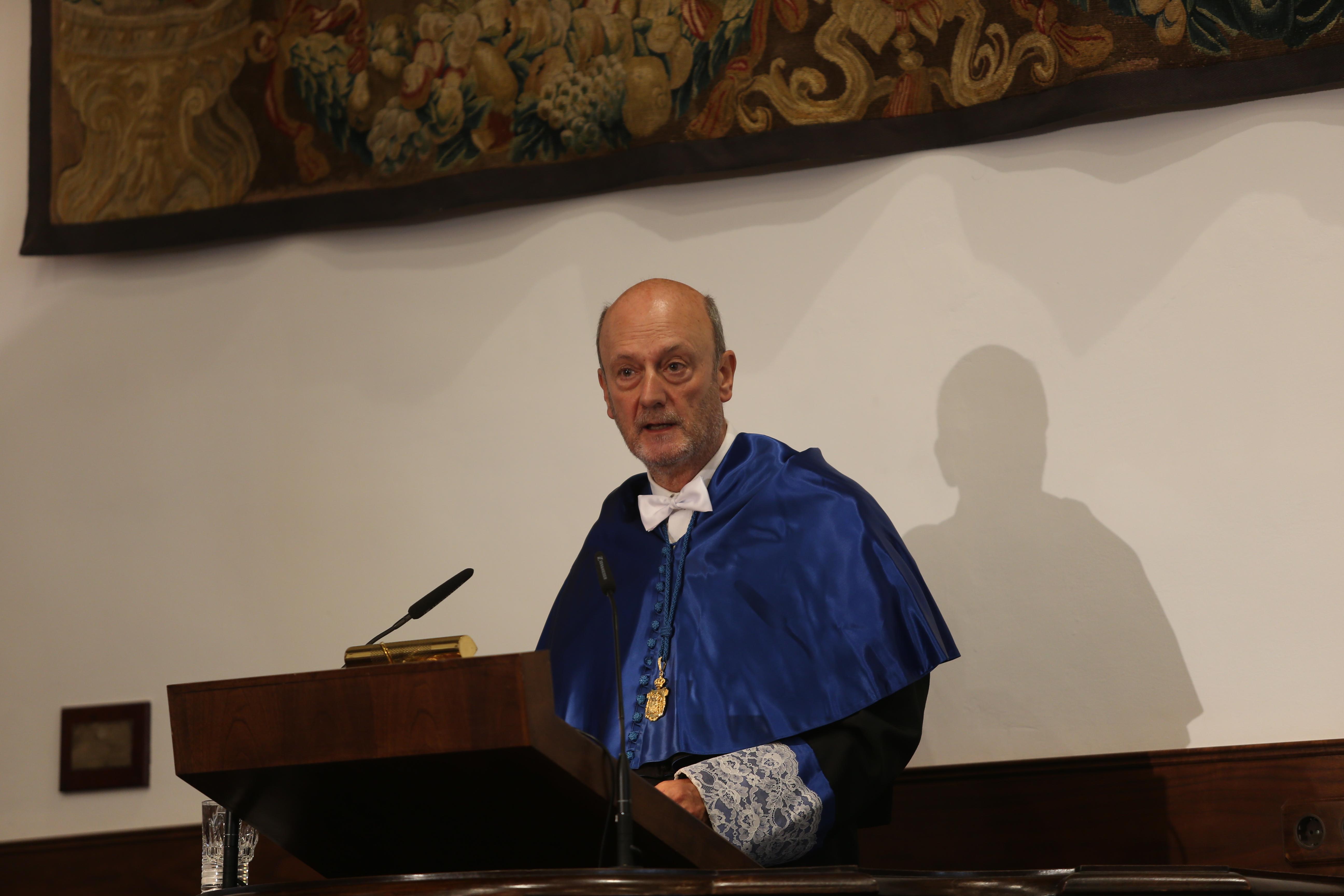El rector, Daniel Hernández Ruipérez, inaugura el curso académico 2015-2016 en la Universidad de Salamanca