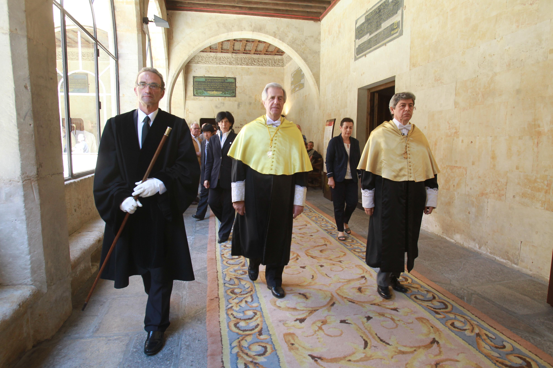 La Universidad de Salamanca nombra doctor honoris causa a Tabaré Vázquez y ensalza su faceta de médico, profesor y político