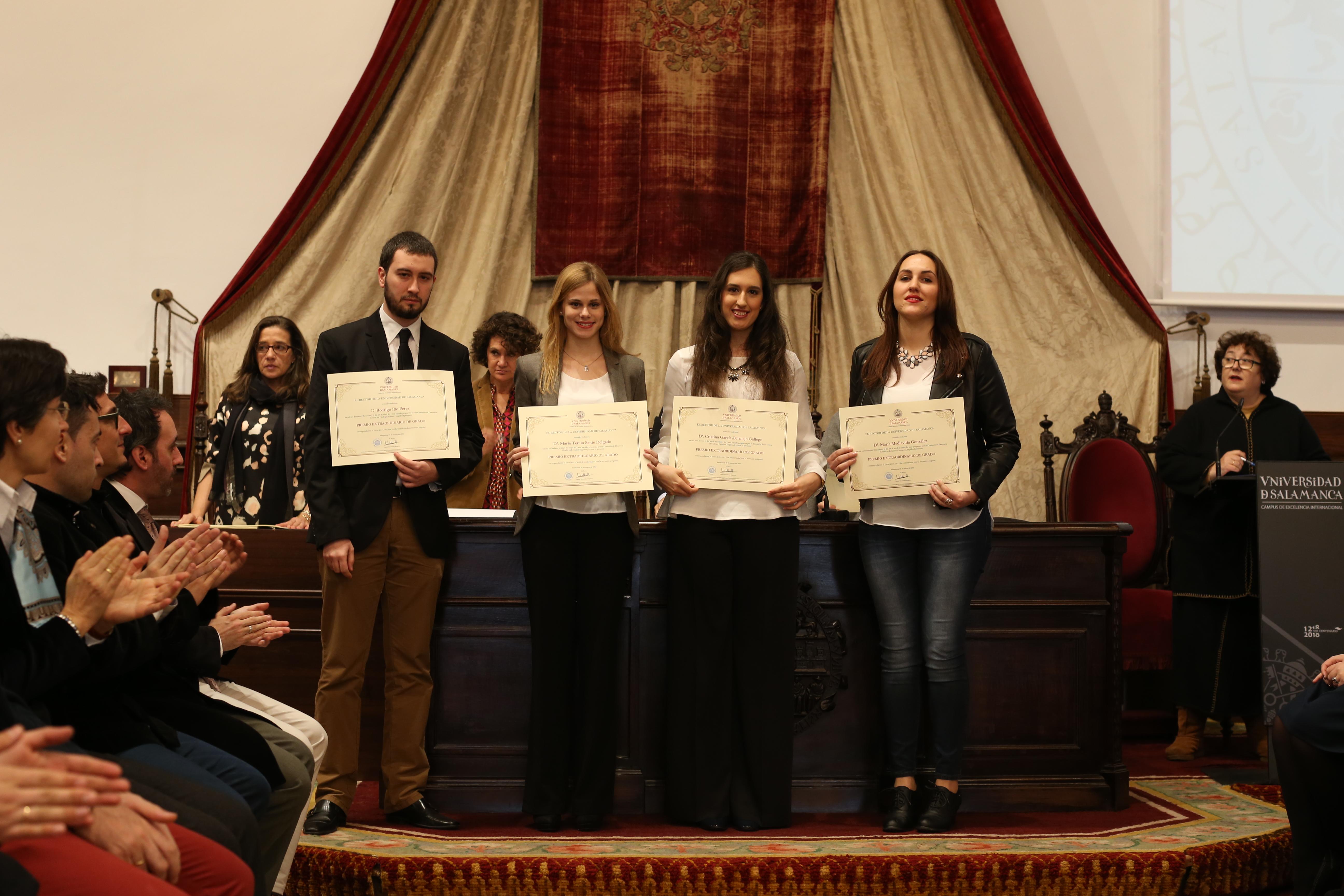 Fotografía de Premio Extraordinario de Grado y de Grado de Salamanca 1