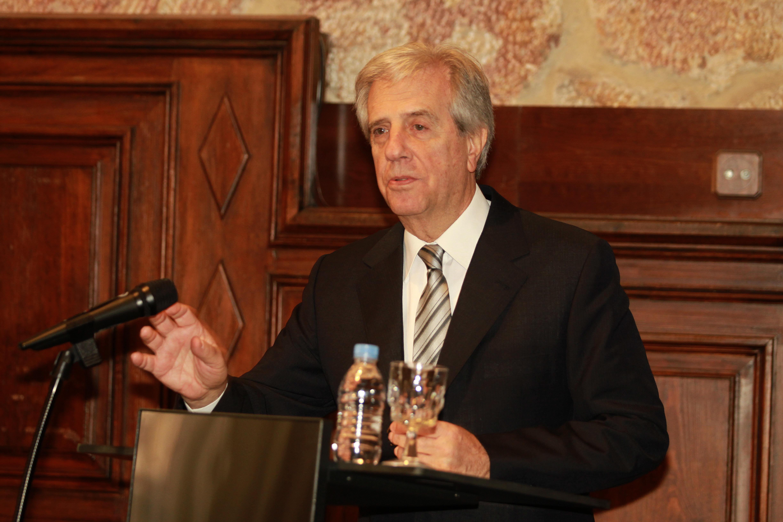 La Universidad de Salamanca inviste doctor honoris causa al oncólogo y expresidente de la República de Uruguay, Tabaré Vázquez Rosas