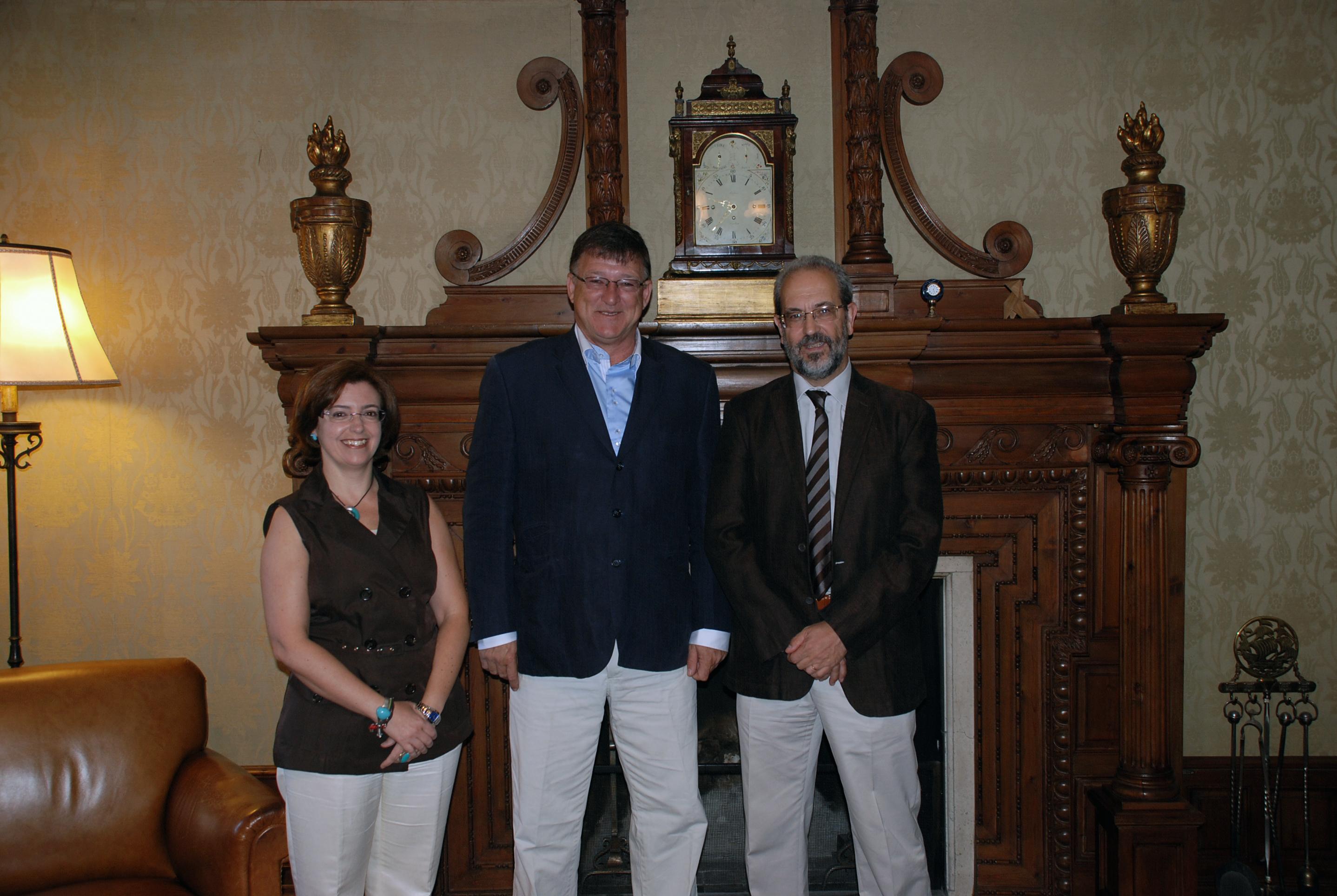 Visita del rector del Instituto Universitario del Gran Rosario