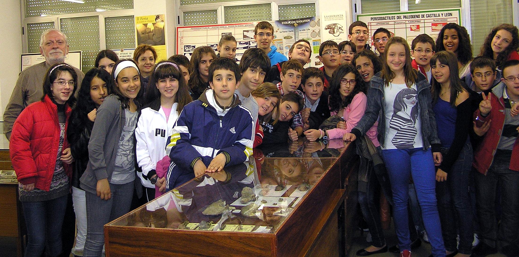 Concluido el ciclo de visitas a la Sala de las Tortugas de la Universidad con los colegios salmantinos La Milagrosa y Virgen de la Vega