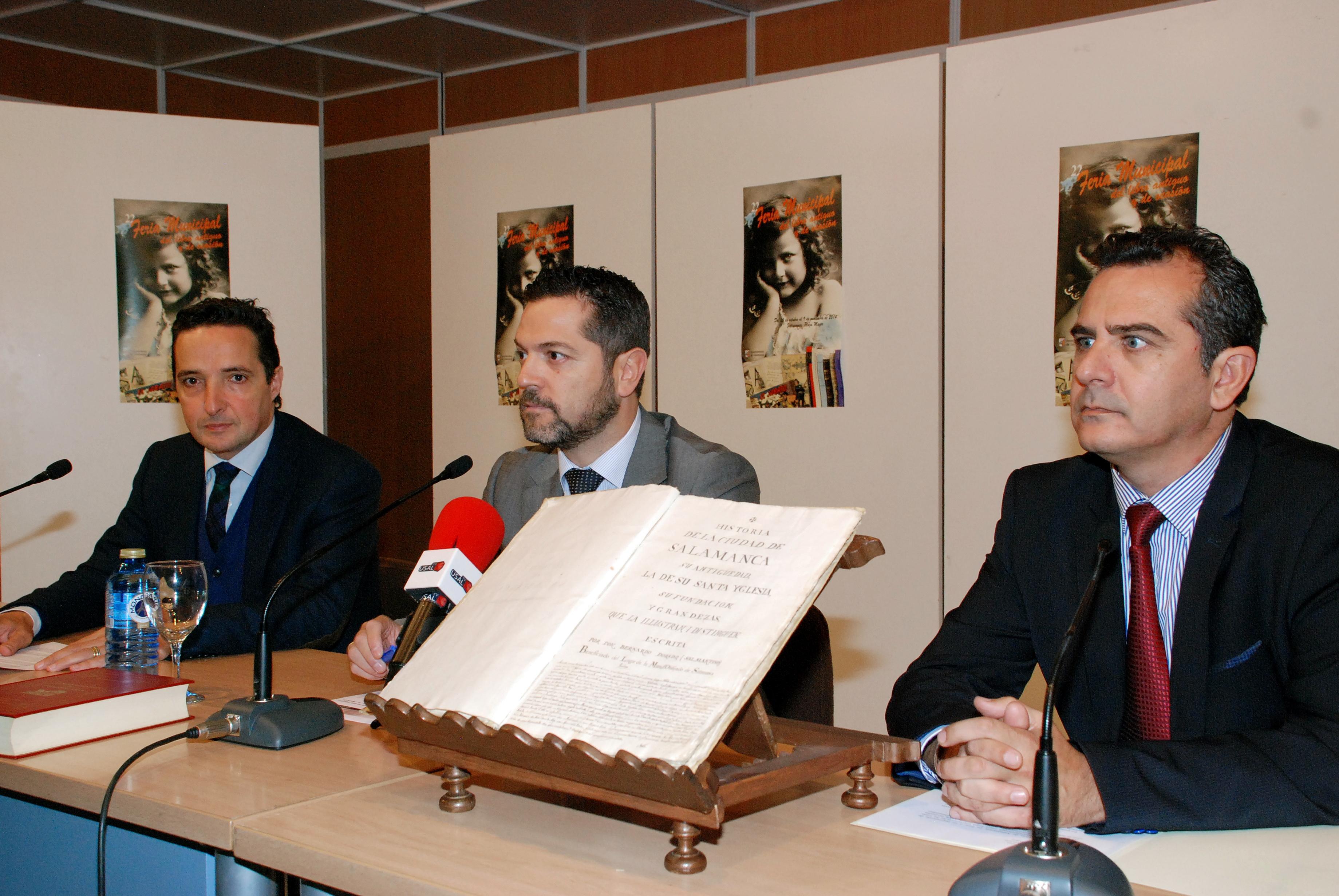Presentado el manuscrito de Bernardo Dorado que ha sido adquirido recientemente por el Ayuntamiento de Salamanca, la Diputación Provincial y la Universidad de Salamanca