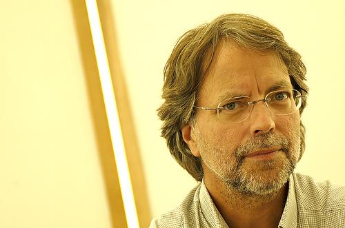El escritor, periodista y biólogo mozambiqueño Mia Couto ha sido galardonado con el VII Premio Eduardo Lourenço