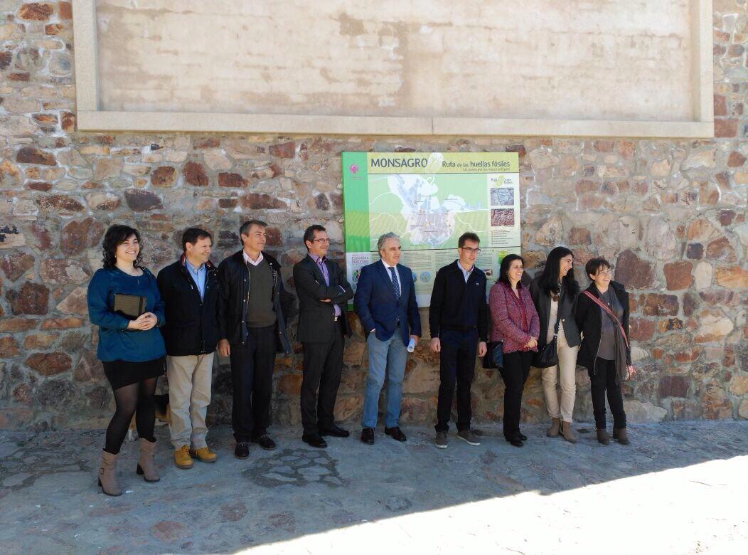 El Departamento de Geología de la Universidad de Salamanca participa en la creación de la 'Ruta de las huellas fósiles'