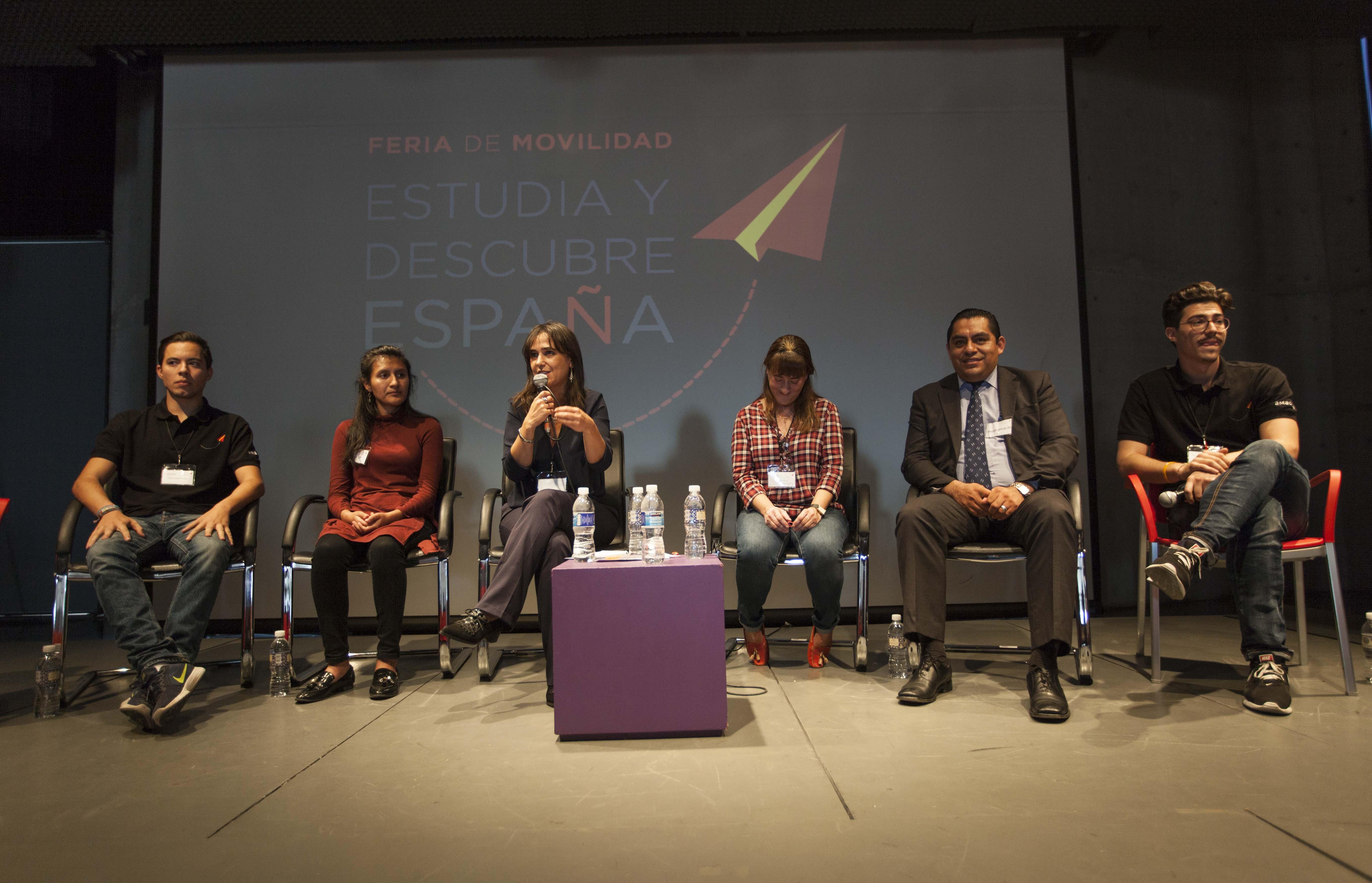 La Universidad de Salamanca participa en la feria de movilidad 'Estudia y descubre España', celebrada en México