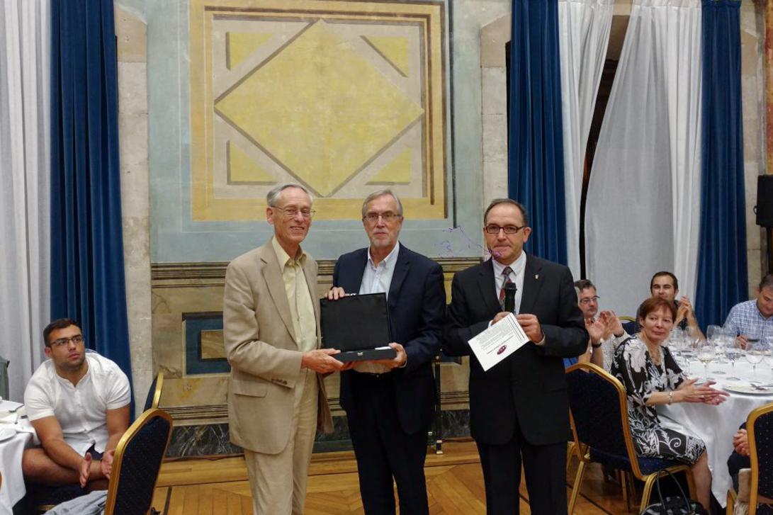 La Asociación Española de Historia Económica concede la distinción de Socio de Honor 2017 al historiador hispanista John Elliott