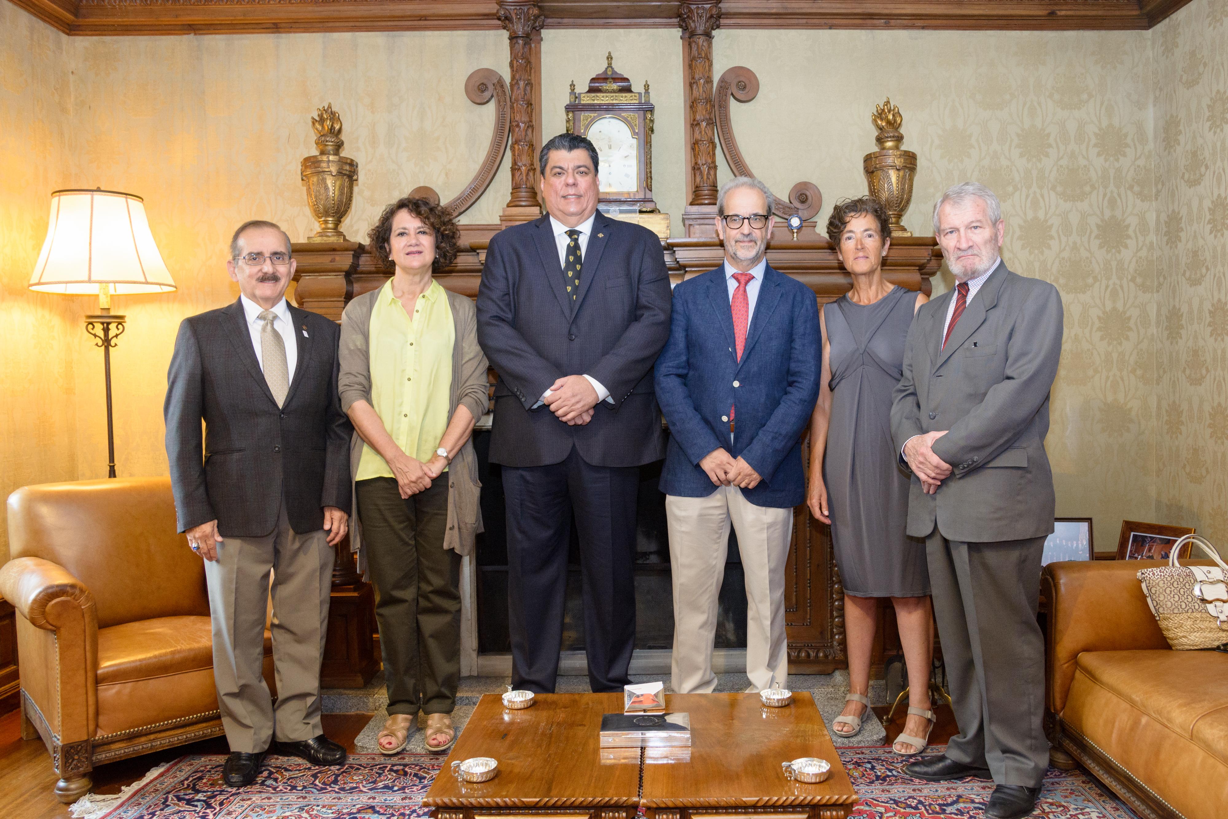 Las universidades de Salamanca y la Católica de Santiago de Guayaquil (Ecuador) renuevan sus lazos académicos