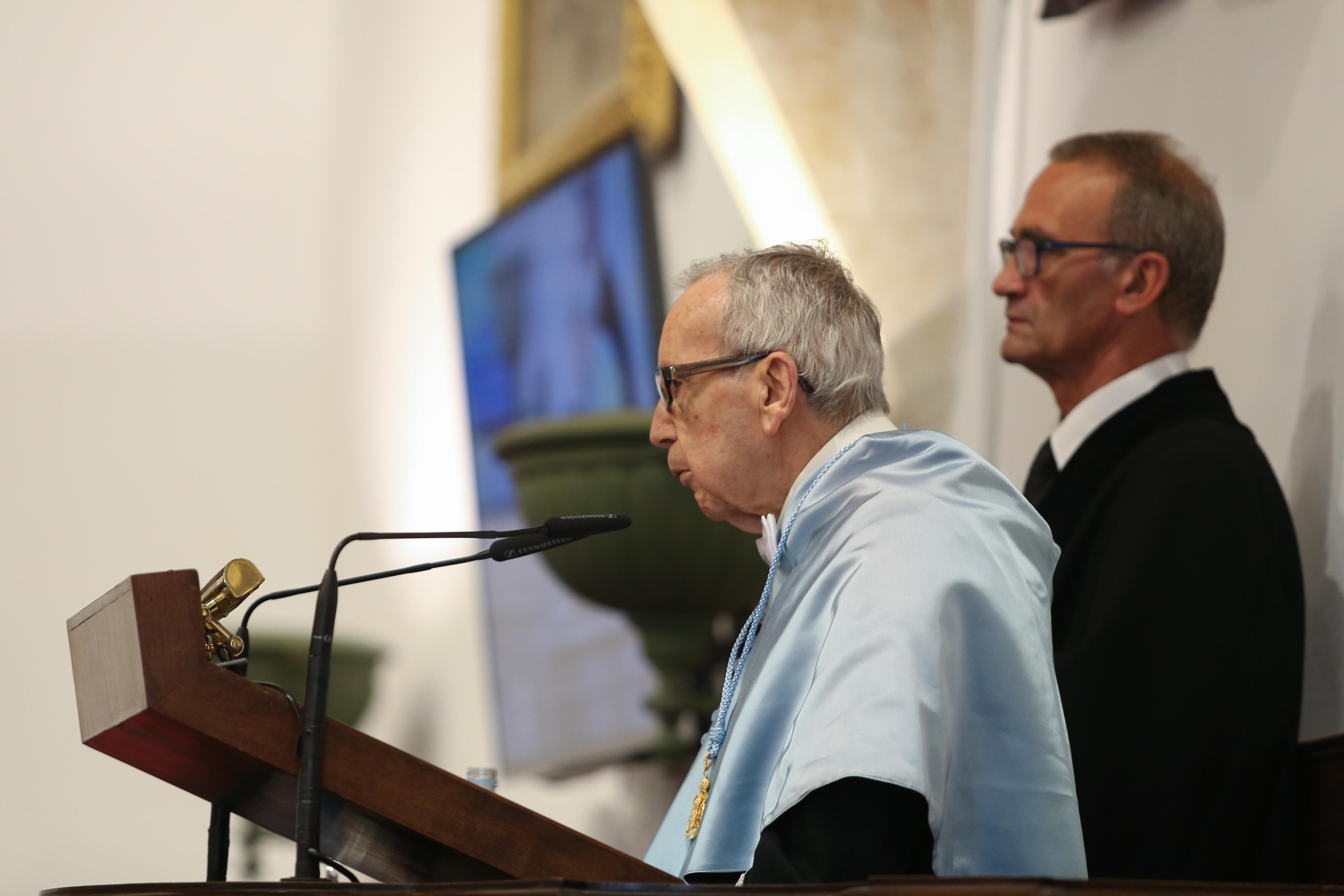 La Universidad de Salamanca inviste doctor honoris causa al poeta cordobés Pablo García Baena