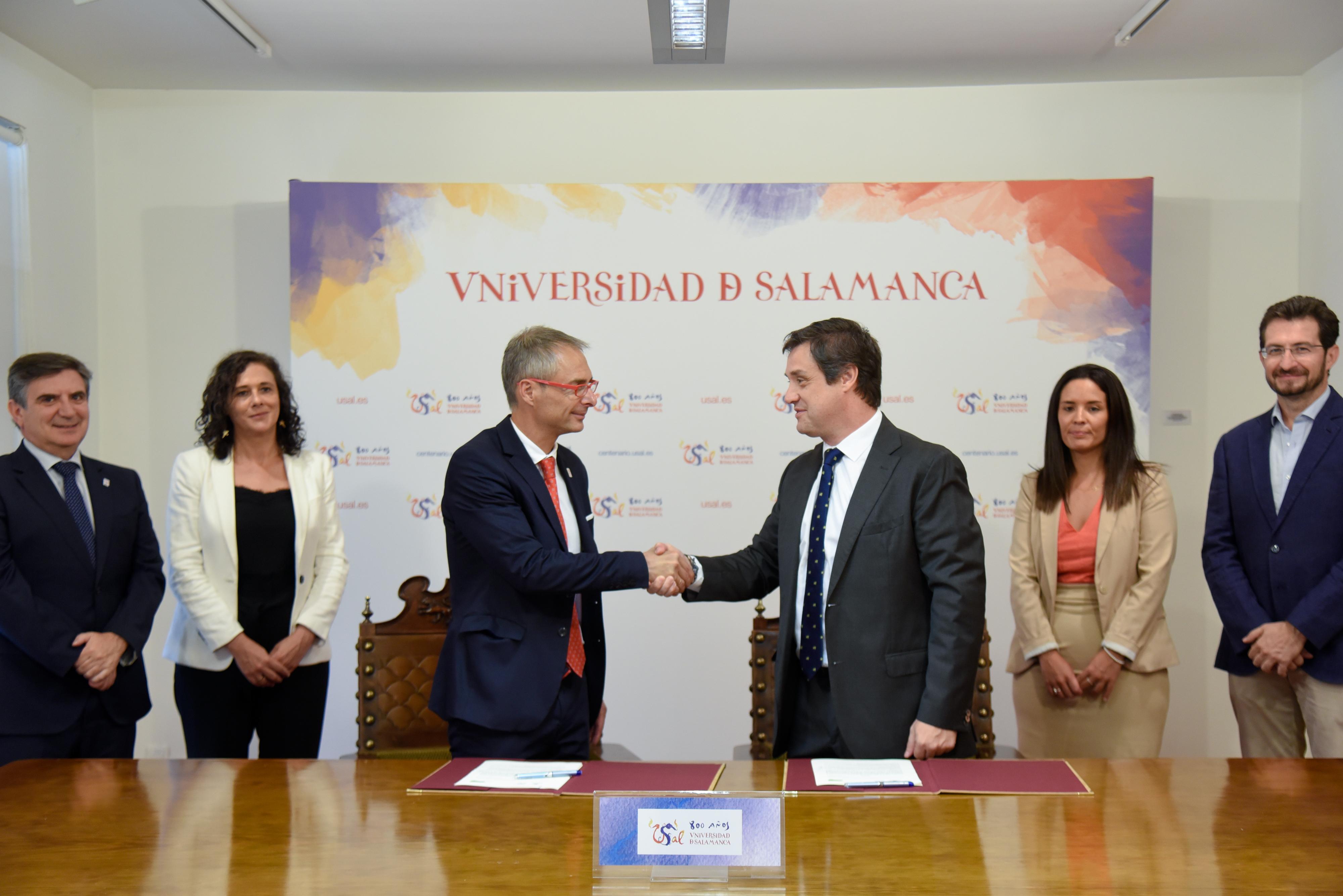La Universidad de Salamanca y everis promueven la formación, la transferencia tecnológica y el acercamiento al mercado laboral desde Medialab USAL