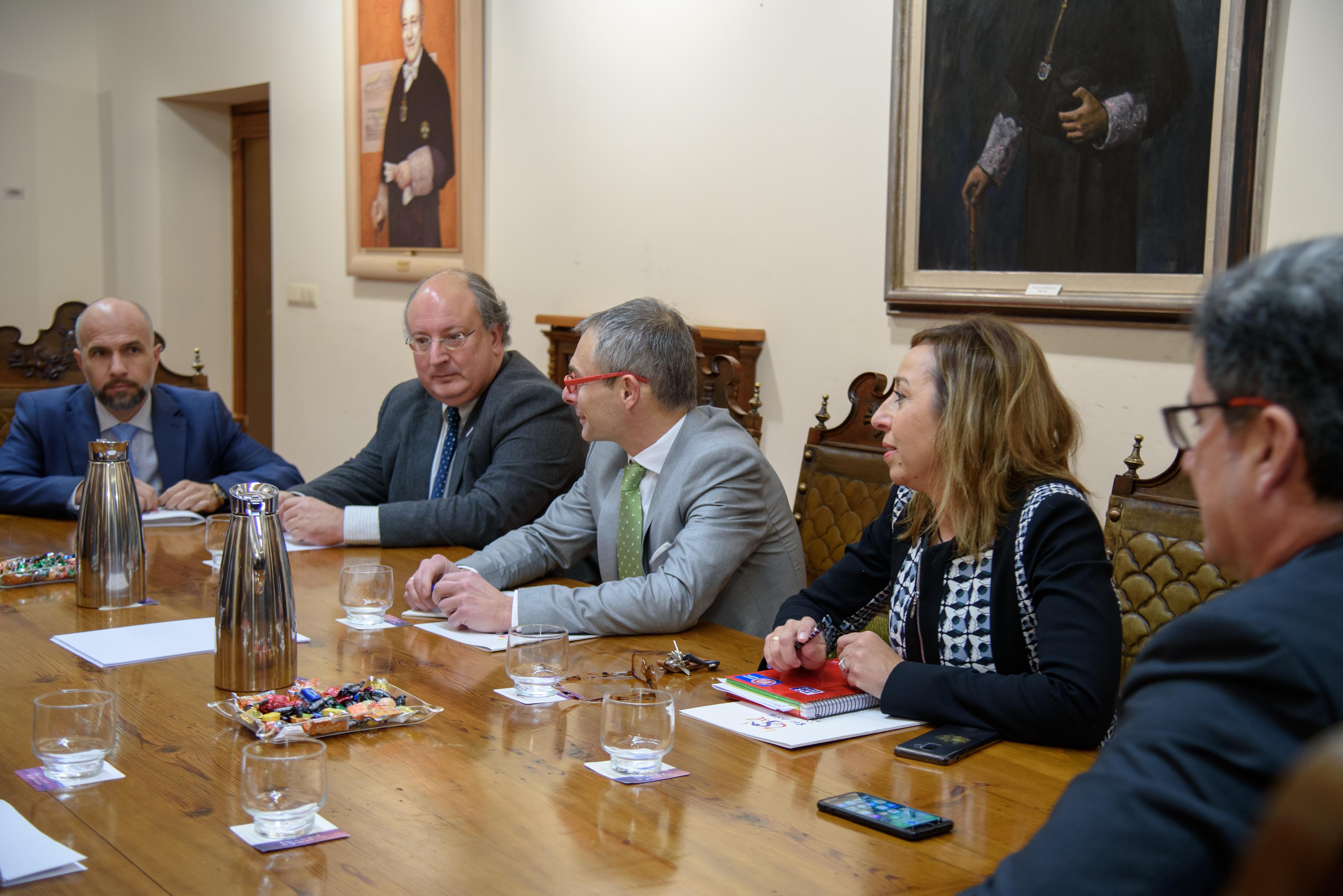 Ayuntamiento y Universidad estrecharán sus lazos para dar aún más oportunidades a los titulados y apoyar a los doctorados en Salamanca