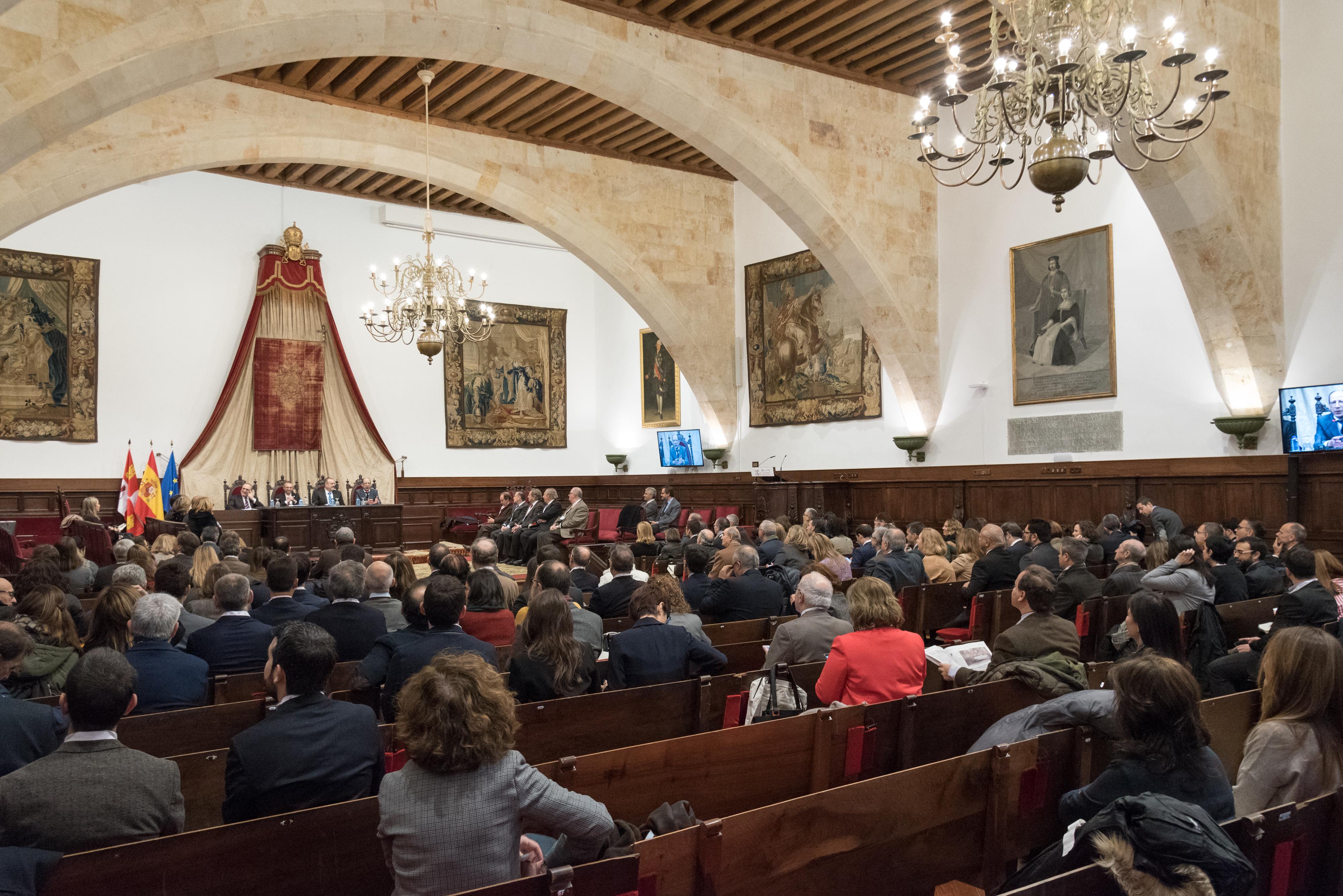 El Paraninfo acoge la inauguración del XIII Congreso de la Asociación de Profesores de Derecho Administrativo, incluido en la programación del VIII Centenario