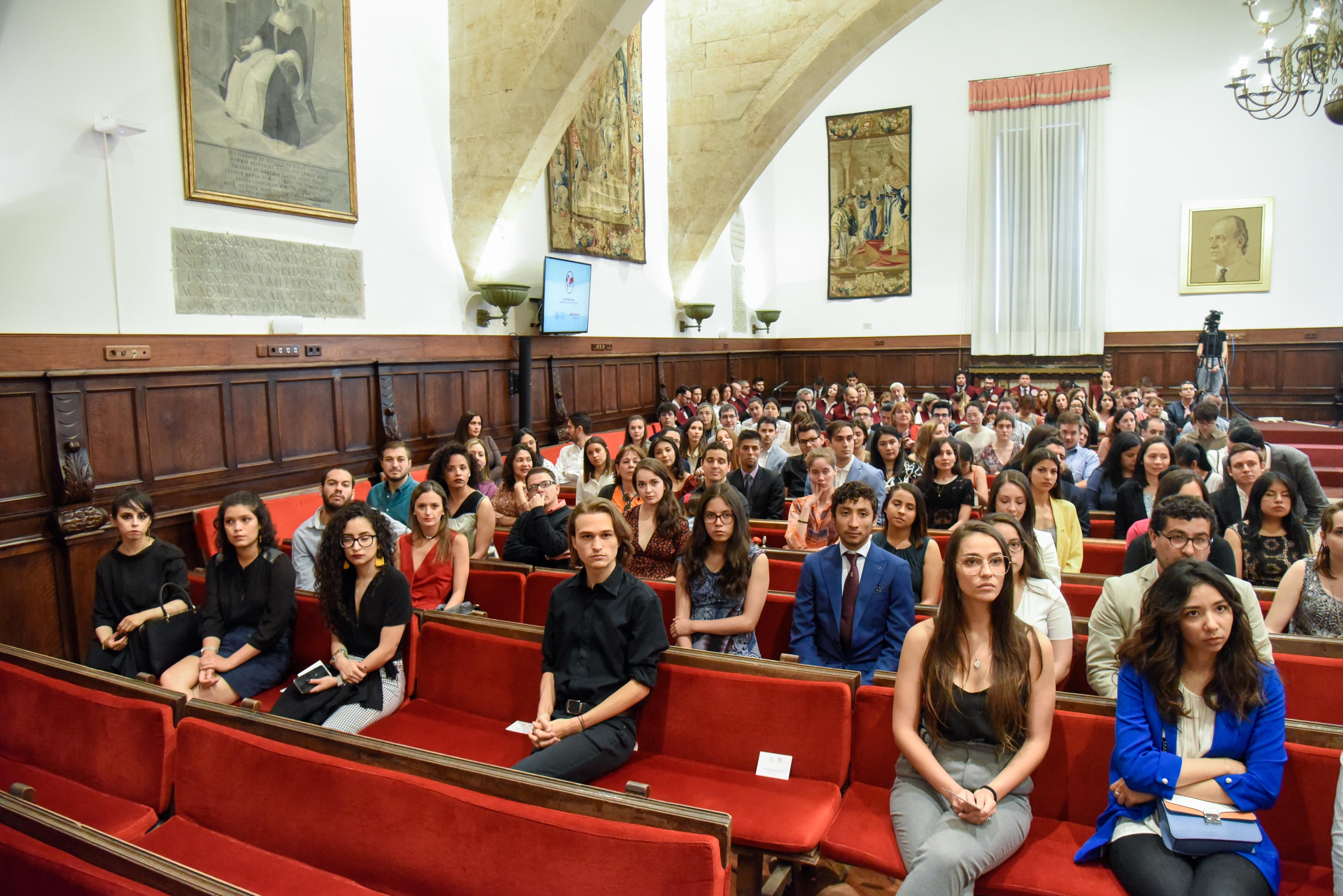 Un total de 211 estudiantes internacionales reciben las Becas Universidad de Salamanca-Banco Santander