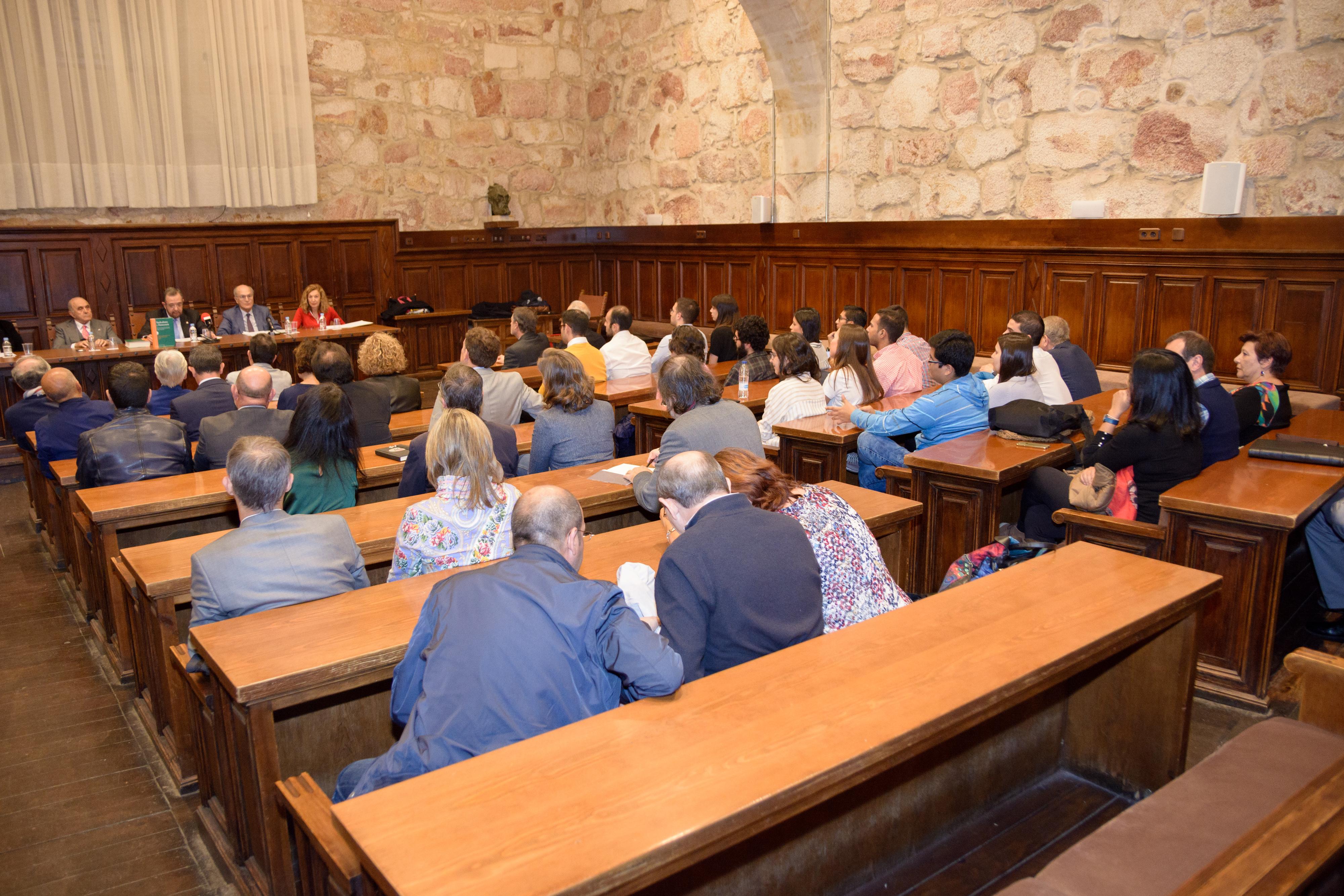 El Departamento de Derecho del Trabajo y Trabajo Social presenta la obra 'Sindicalismo y Democracia. El Derecho Sindical Español del profesor Manuel Carlos Palomeque treinta años después (1986 – 2016)'