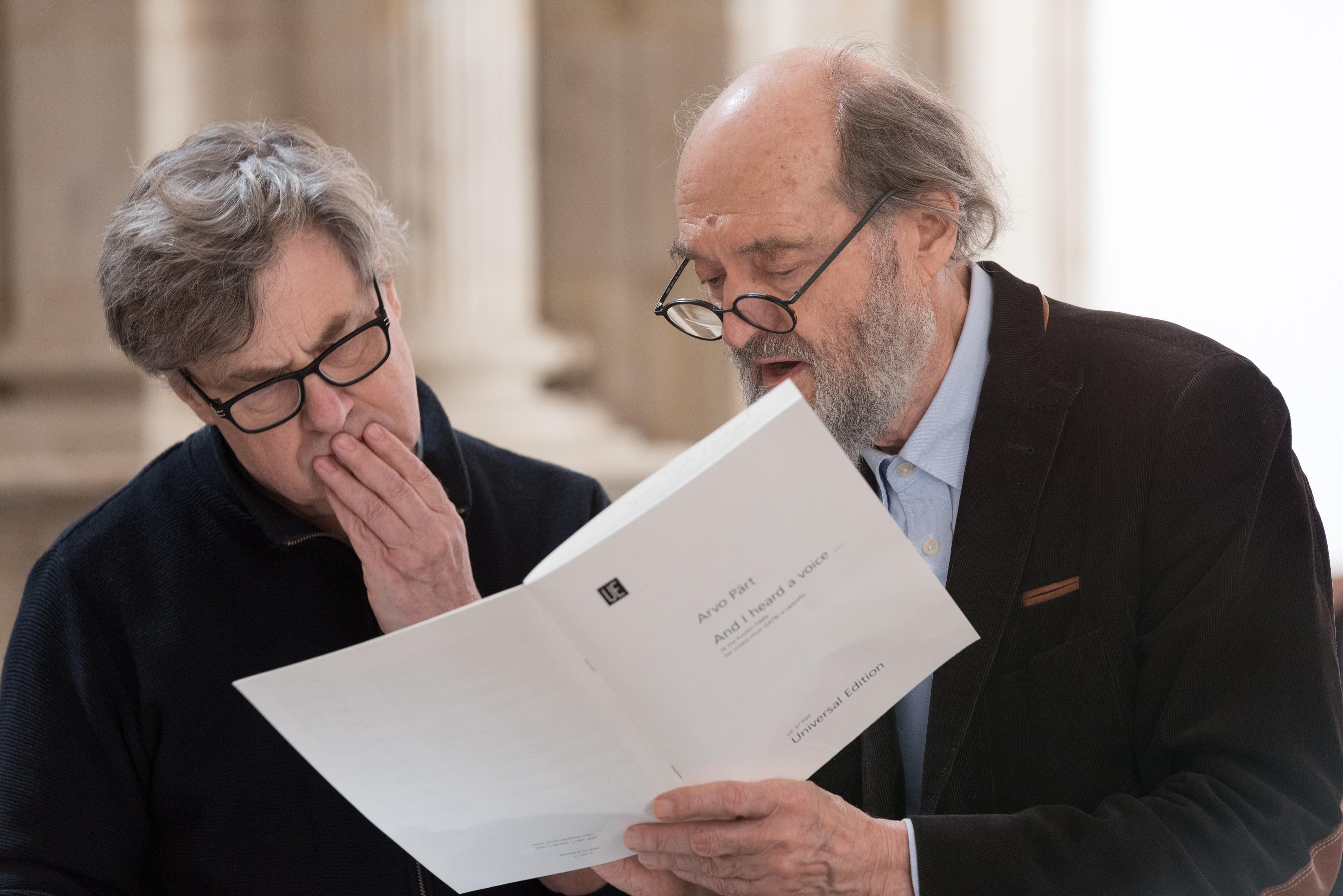 Ars Nova Copenhagen emociona en el estreno mundial de 'And I heard a voice', la composición de Arvo Pärt para el VIII Centenario
