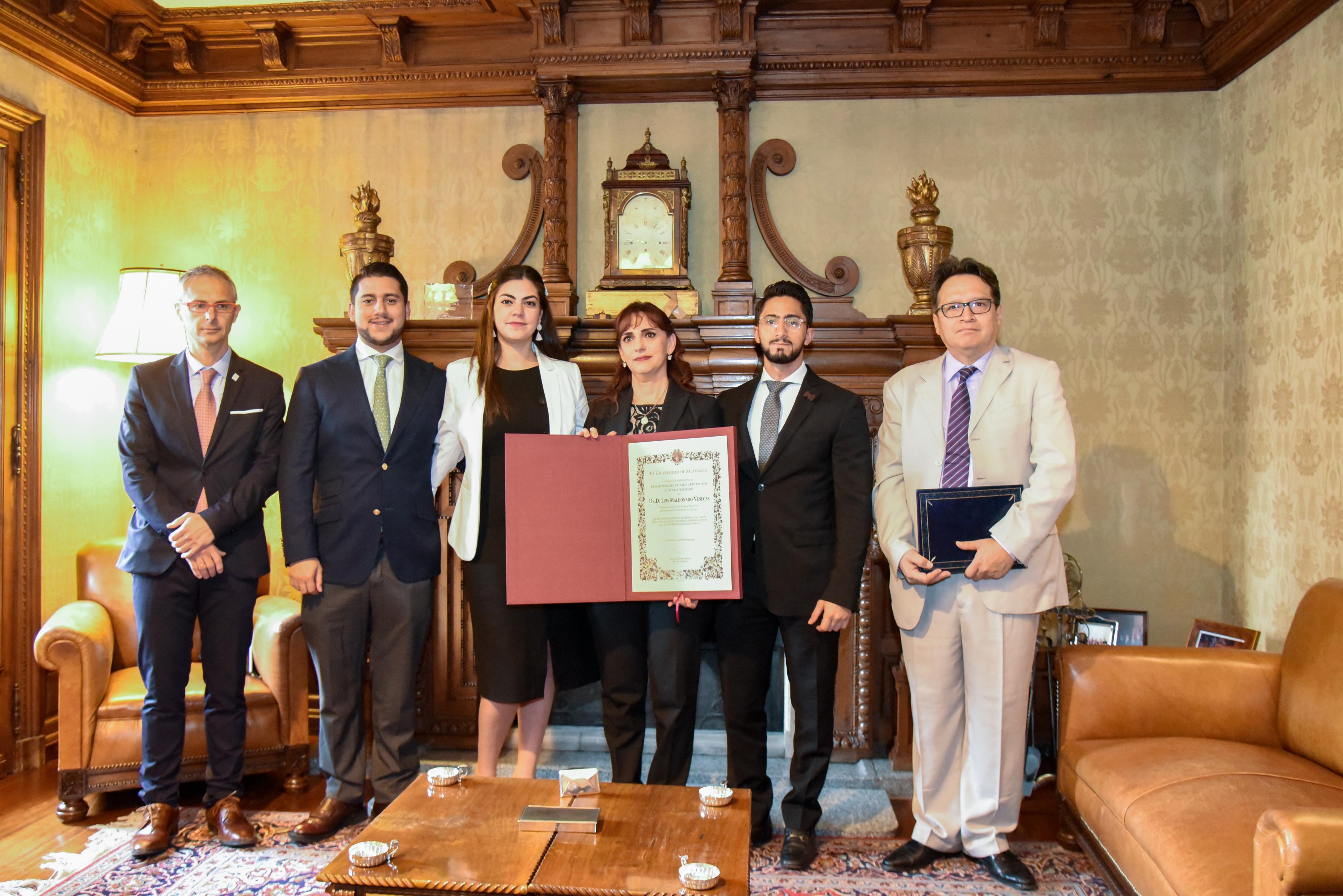 La Universidad de Salamanca otorga la distinción de Embajador del VIII Centenario a título póstumo al profesor mexicano Luis Maldonado Venegas