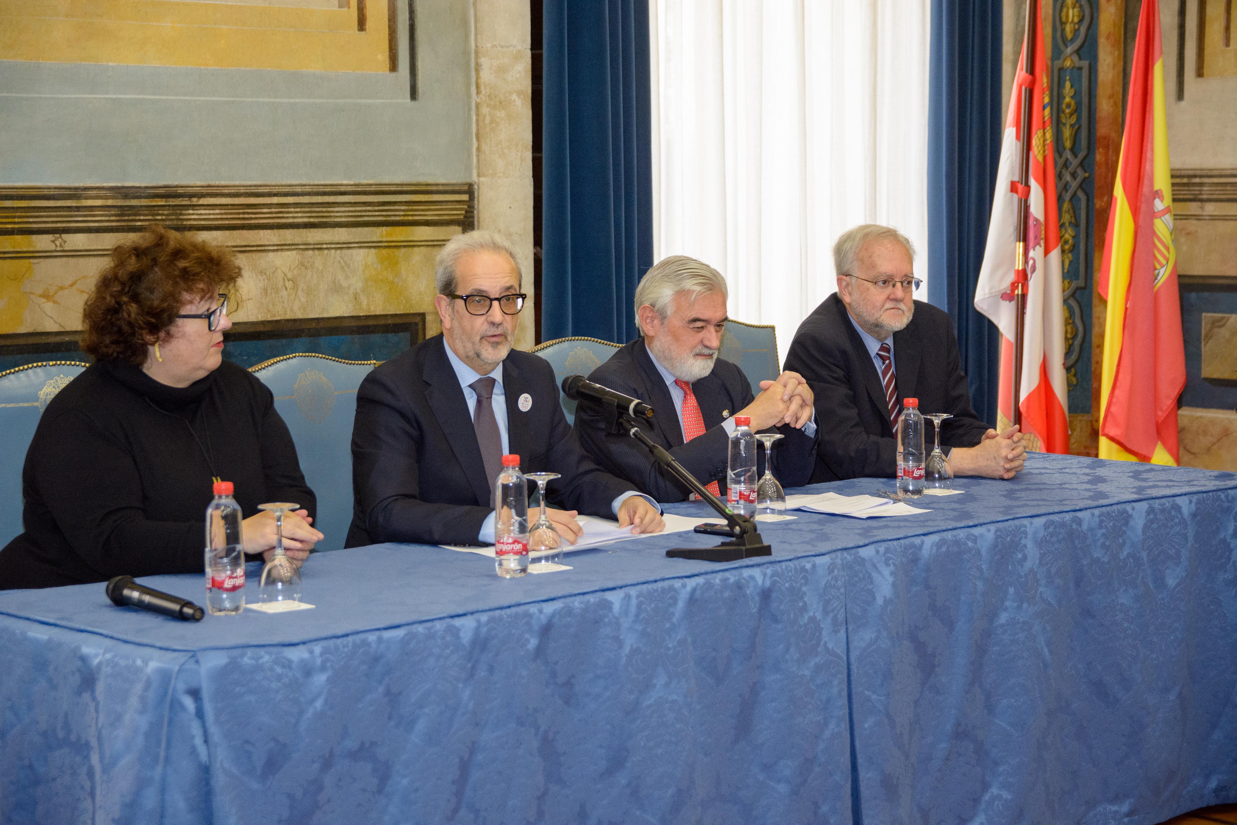 Reunión de la Comisión Interacadémica de Gramática de la RAE en la USAL