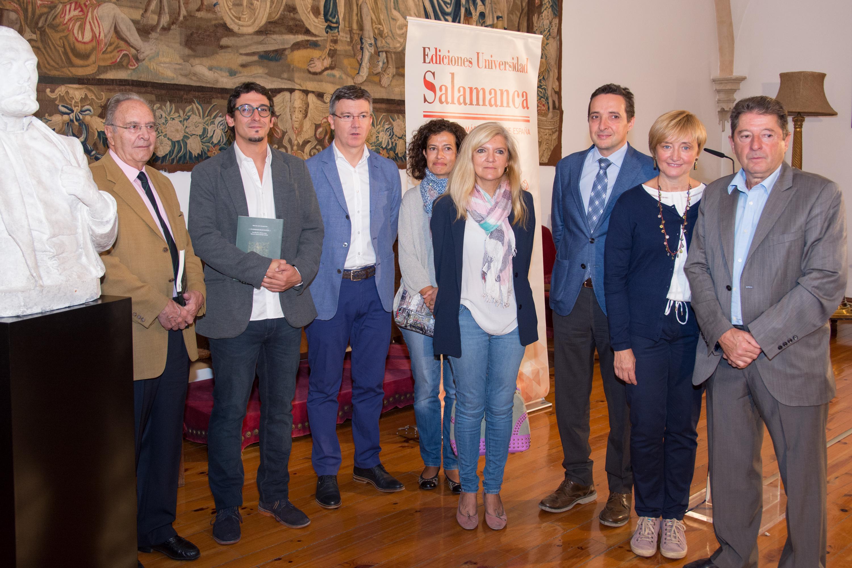 La Universidad de Salamanca conmemora el nacimiento de Unamuno con la publicación de dos nuevos libros y la restauración de un busto del ilustre rector