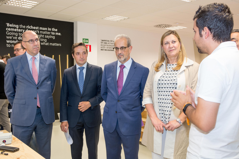 El rector de la Universidad de Salamanca y la consejera de Economía y Hacienda inauguran el U-Talent-Hub