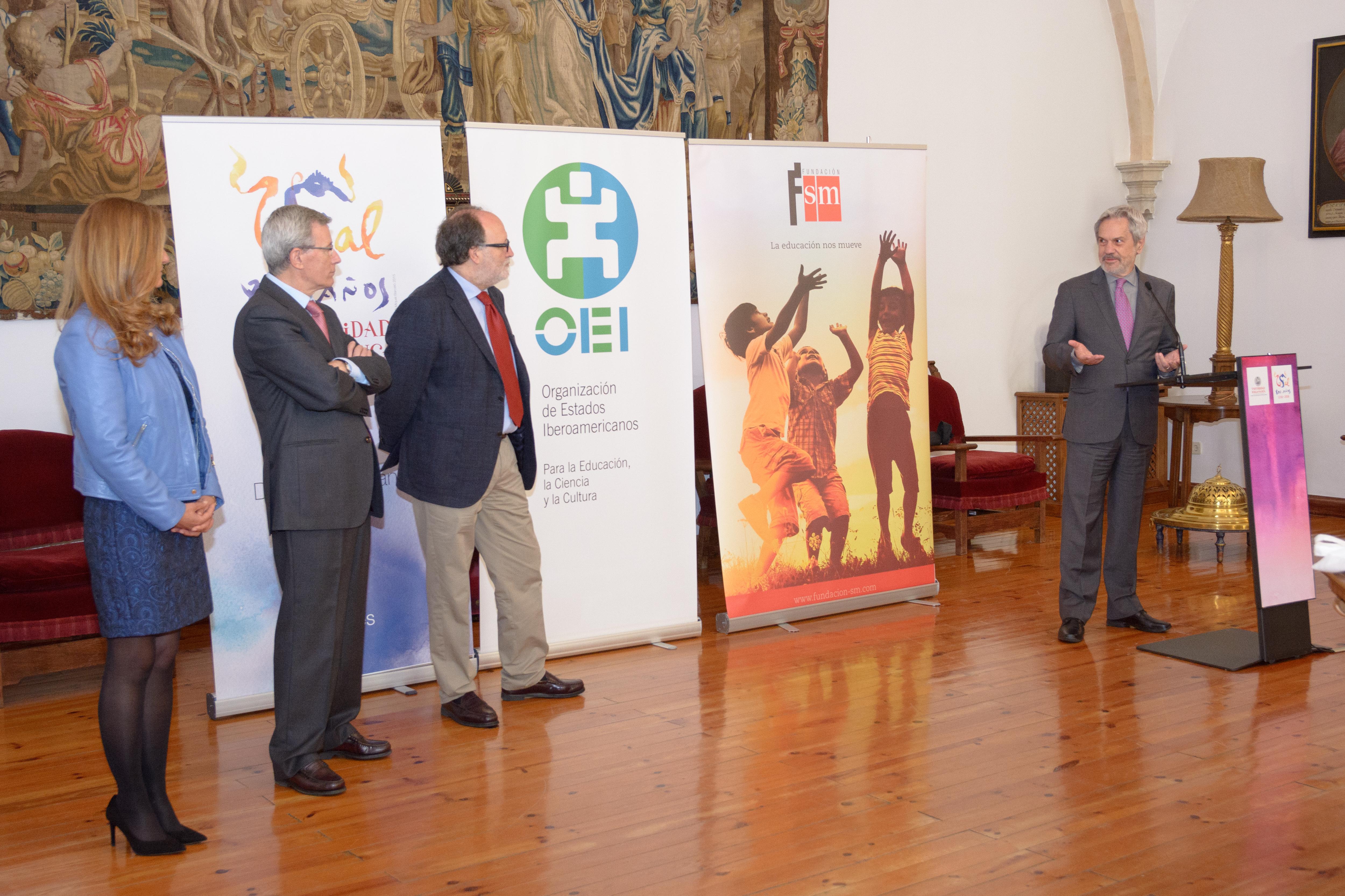 La Universidad de Salamanca acoge la entrega del premio a la ganadora española del concurso de Blogs '¿Qué estás leyendo?'