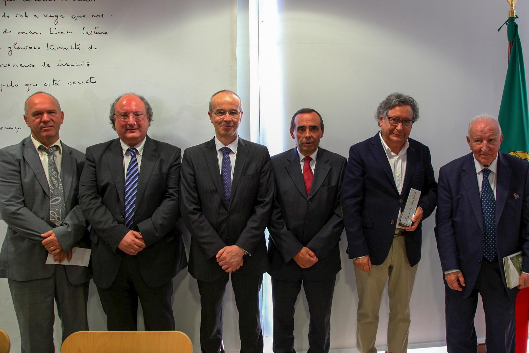 El periodista, escritor y cronista Fernando Paulouro Neves recibe el premio Eduardo Lourenço 2017