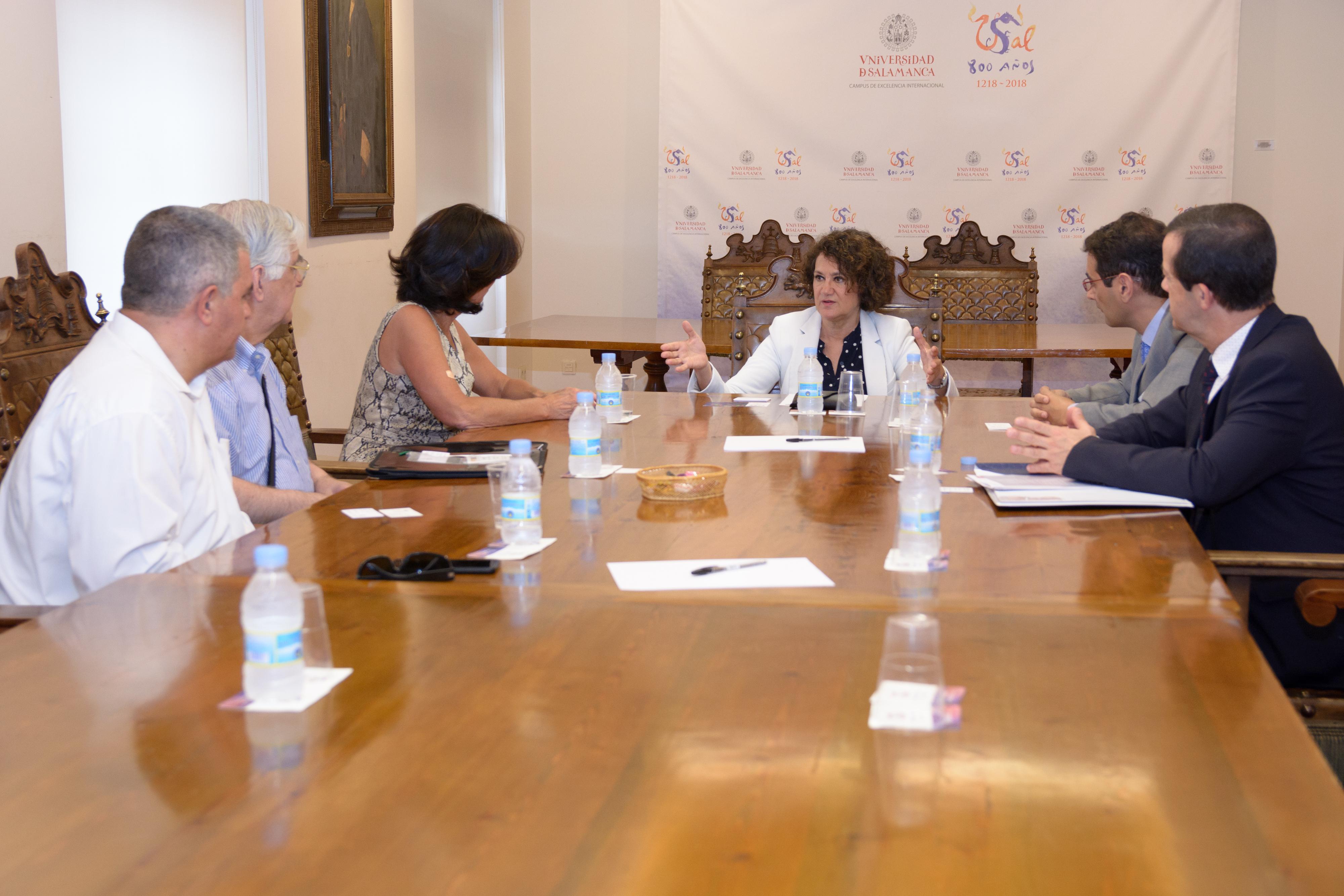 La Universidad de Salamanca recibe una delegación de la Federación Europea de Centros Educativos