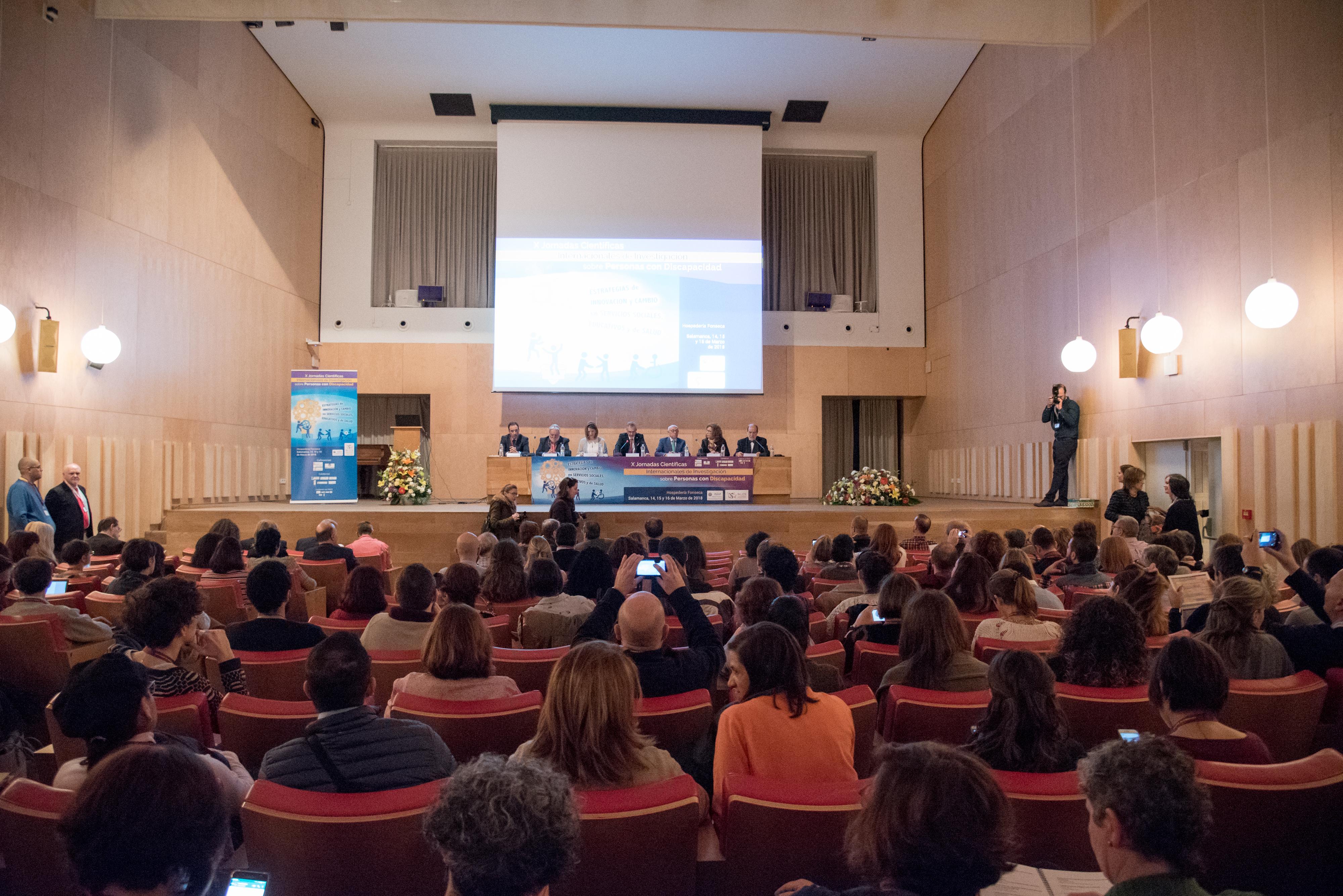 El Instituto Universitario de Integración en la Comunidad (INICO) inaugura sus X Jornadas de Científicas con una conferencia a cargo de los escritores Andrés Aberasturi y Cristina Sánchez Andrade