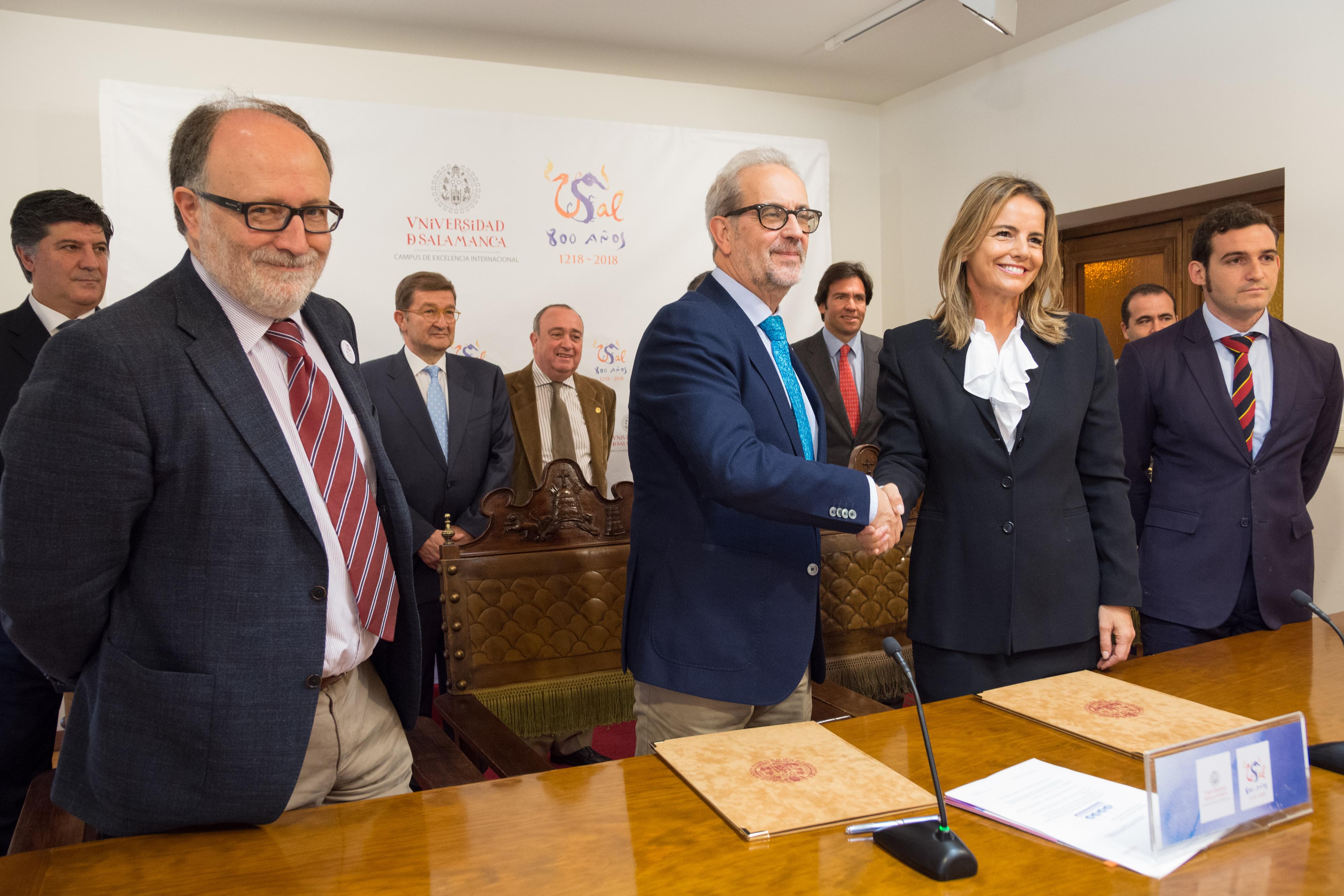 La Facultad de Medicina dispondrá de un laboratorio quirúrgico de base de cráneo gracias al acuerdo de la Universidad con Oticon Medical