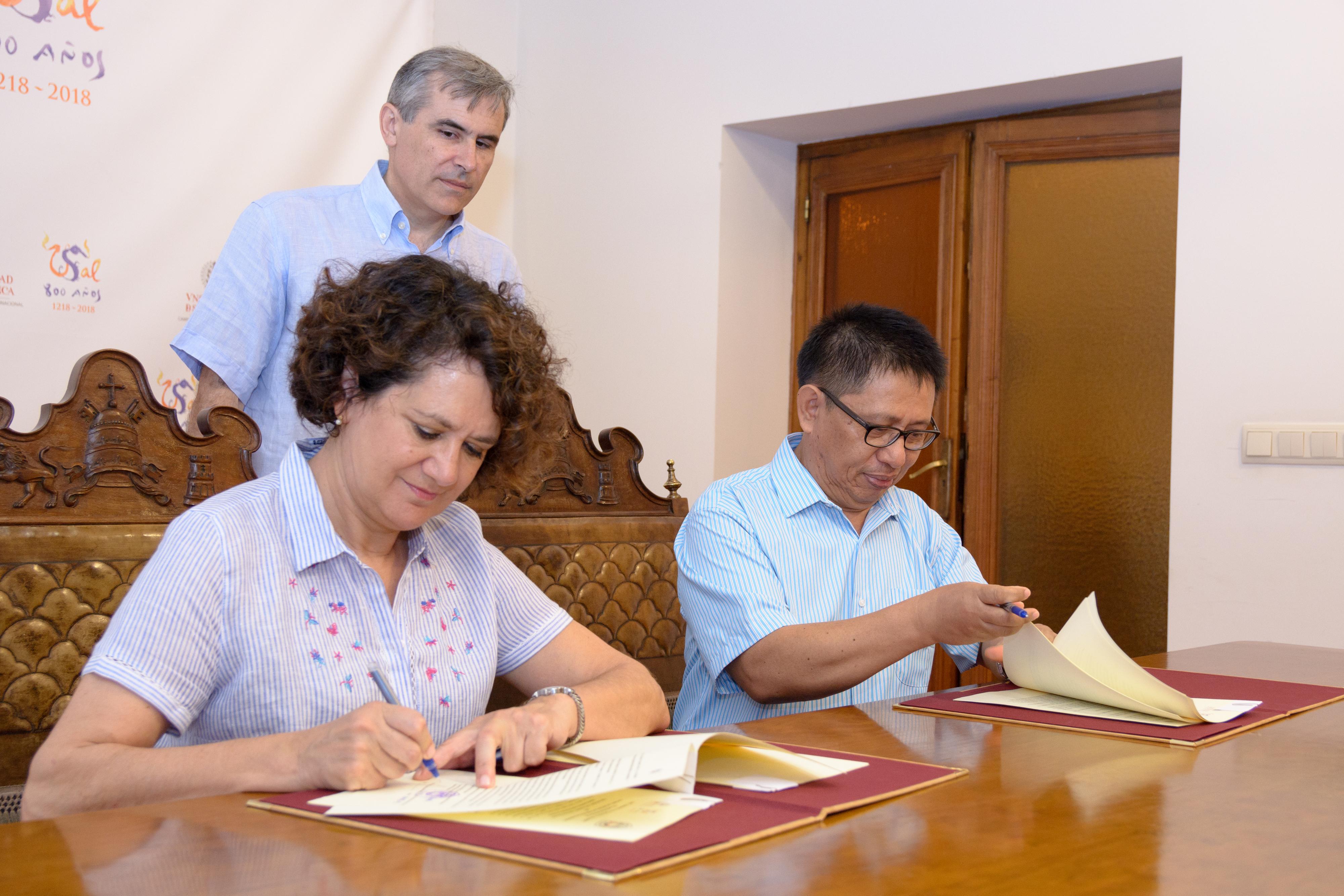 Las universidades de Salamanca y Sam Ratulangi impulsan la docencia y la movilidad internacional
