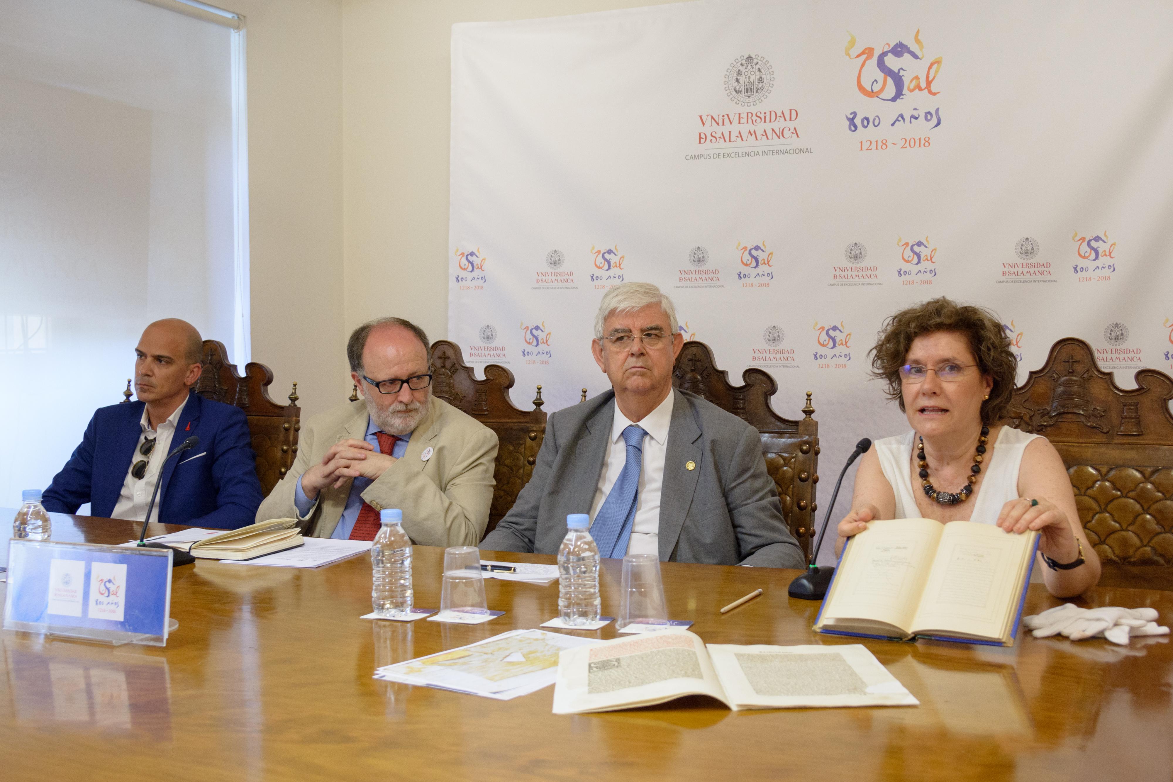 El Grupo Limcasa patrocina la restauración de una obra de Petrarca y la adquisición de un manuscrito del siglo XIX con poesías inéditas de Fernando Araujo
