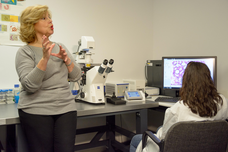 La USAL adquiere un Microscopio Láser Microdisector para el Centro de Investigación del Cáncer