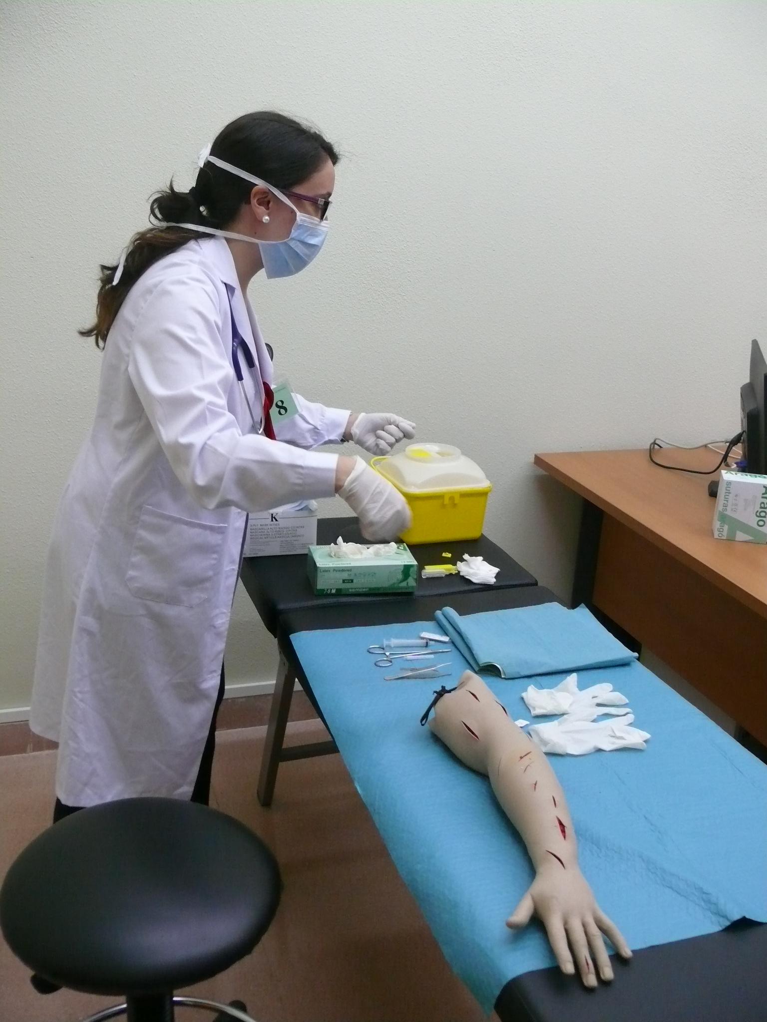 La Facultad de Medicina pone en marcha una novedosa iniciativa para evaluar las competencias clínicas de sus estudiantes