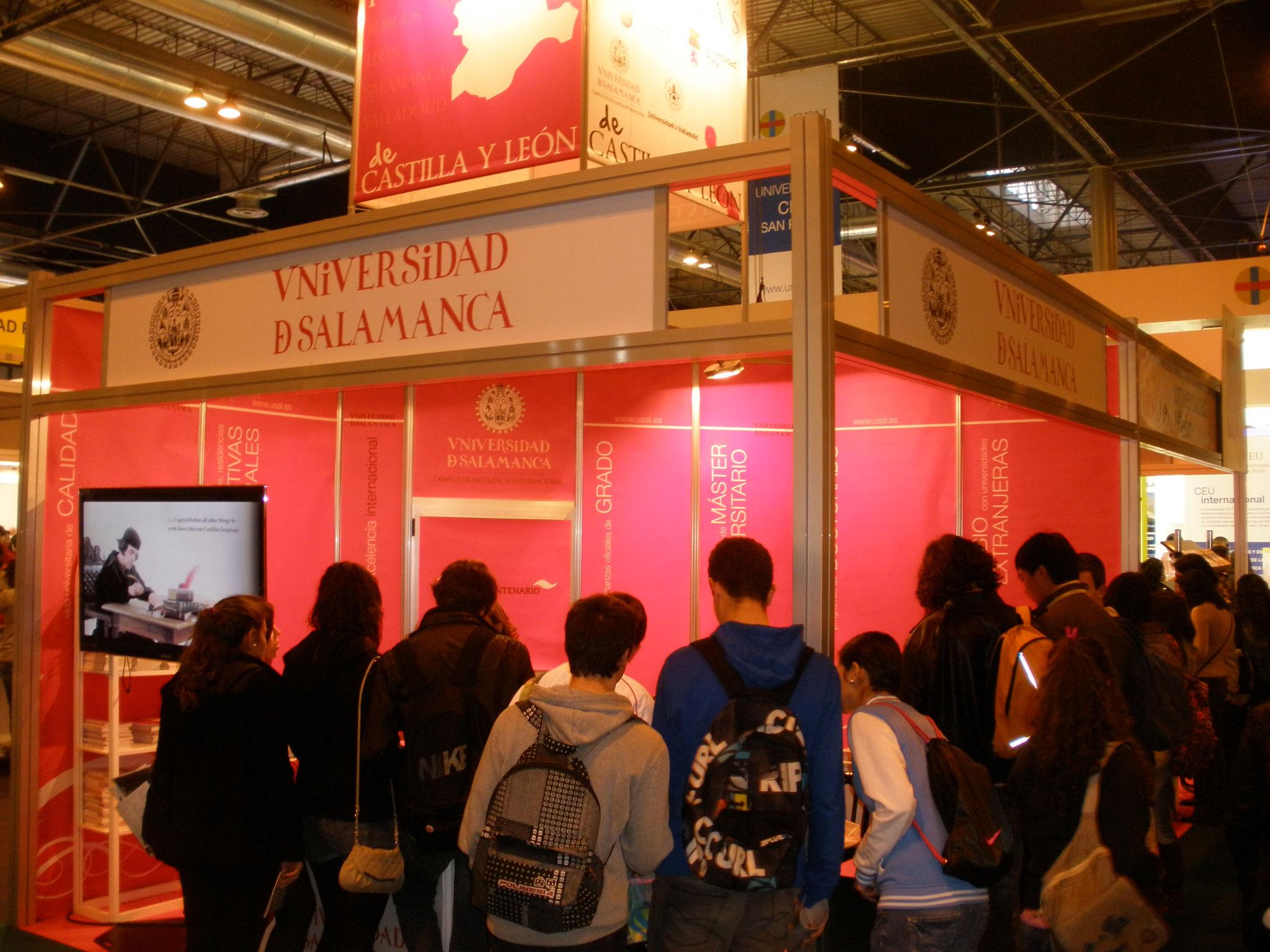 La Universidad de Salamanca da a conocer su oferta formativa en el Salón Internacional AULA