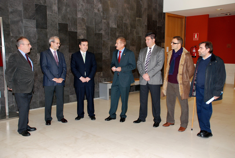 La Facultad de Biología reconoce la labor de los rectores que gestaron el proyecto del edificio Dioscórides