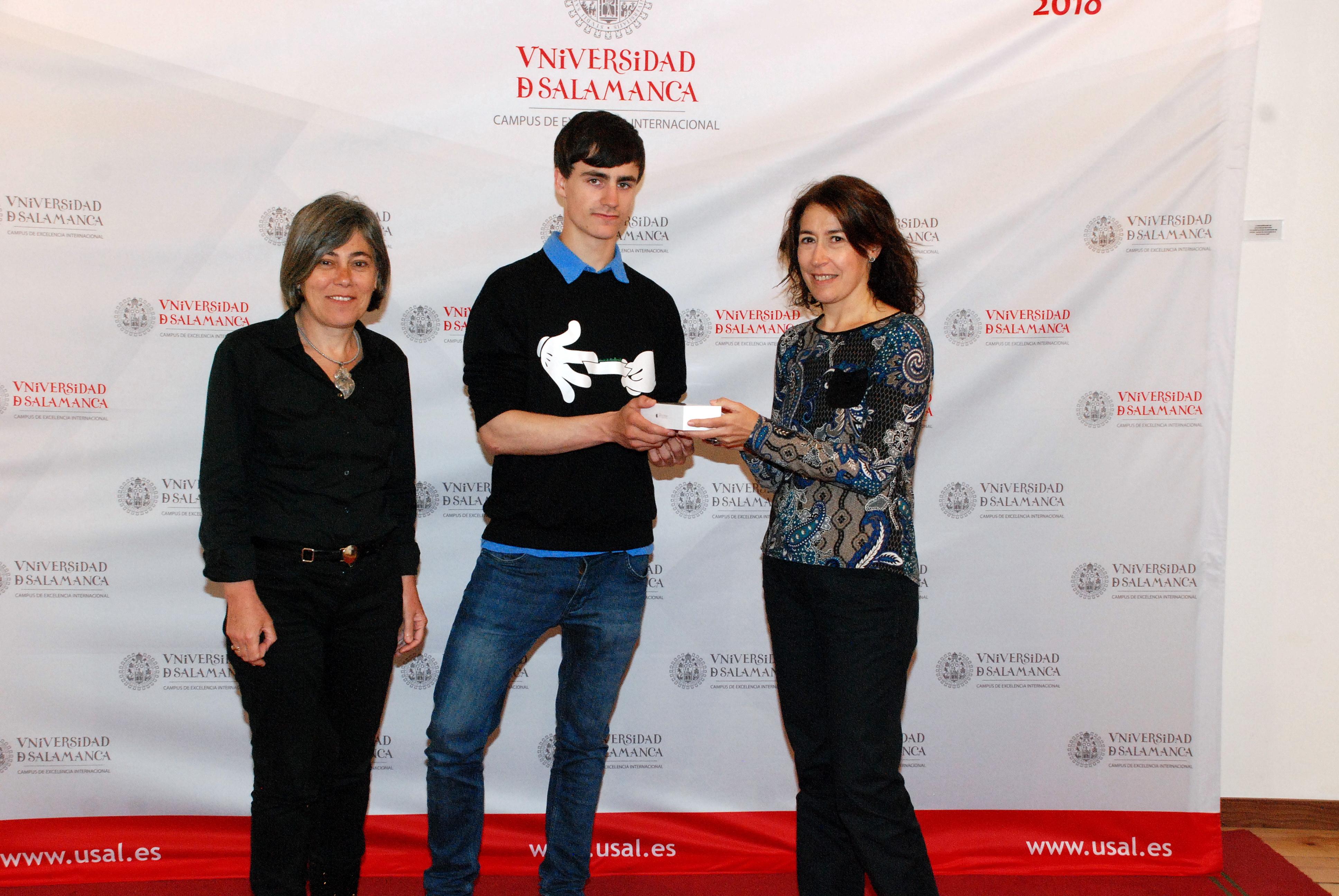 Un estudiante del Grado en Farmacia recibe el II Premio Conoce la Cátedra de Inserción Profesional
