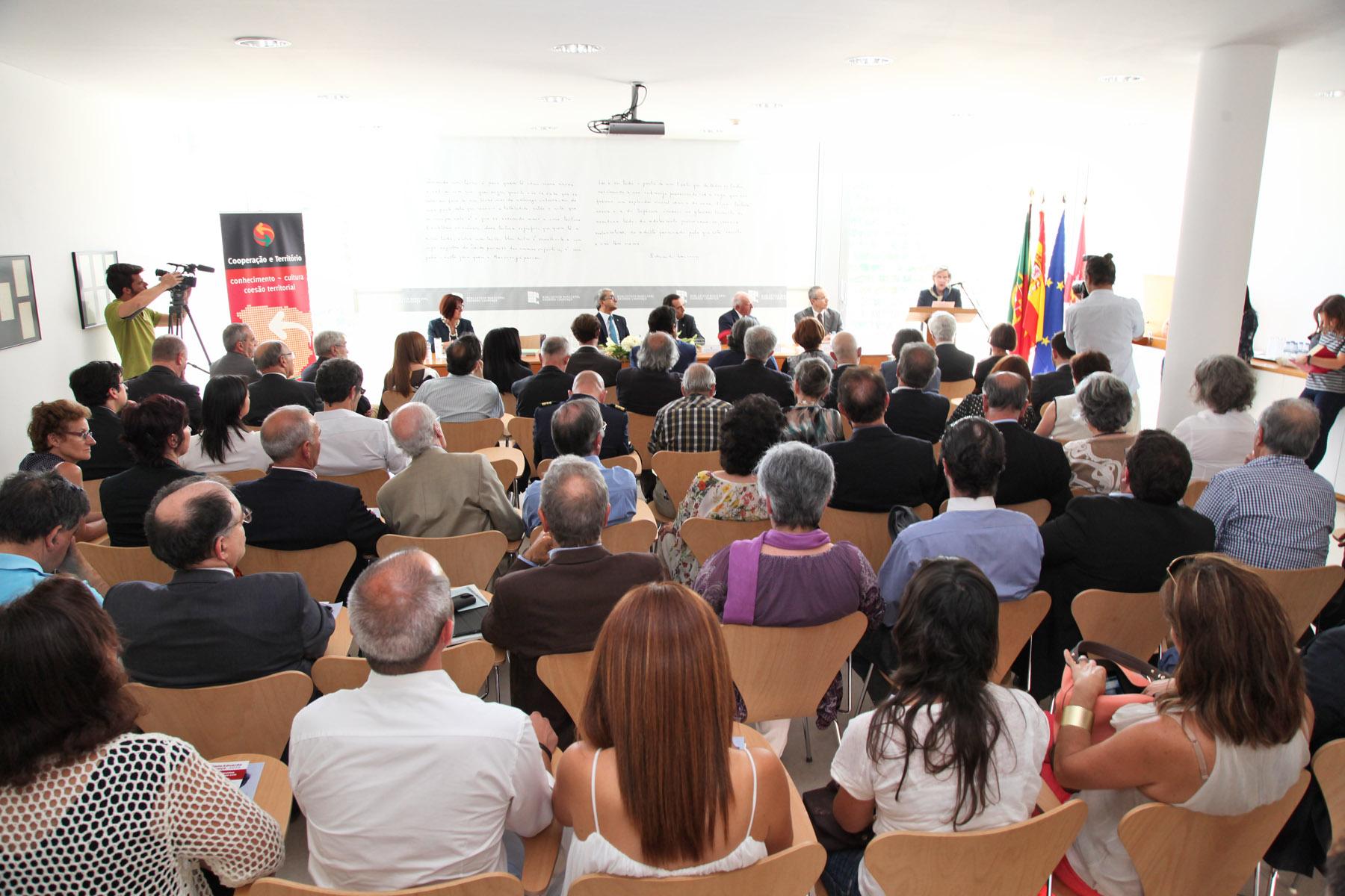 La escritora portuguesa Agustina Bessa-Luís recibe el Premio Eduardo Lourenço 2015