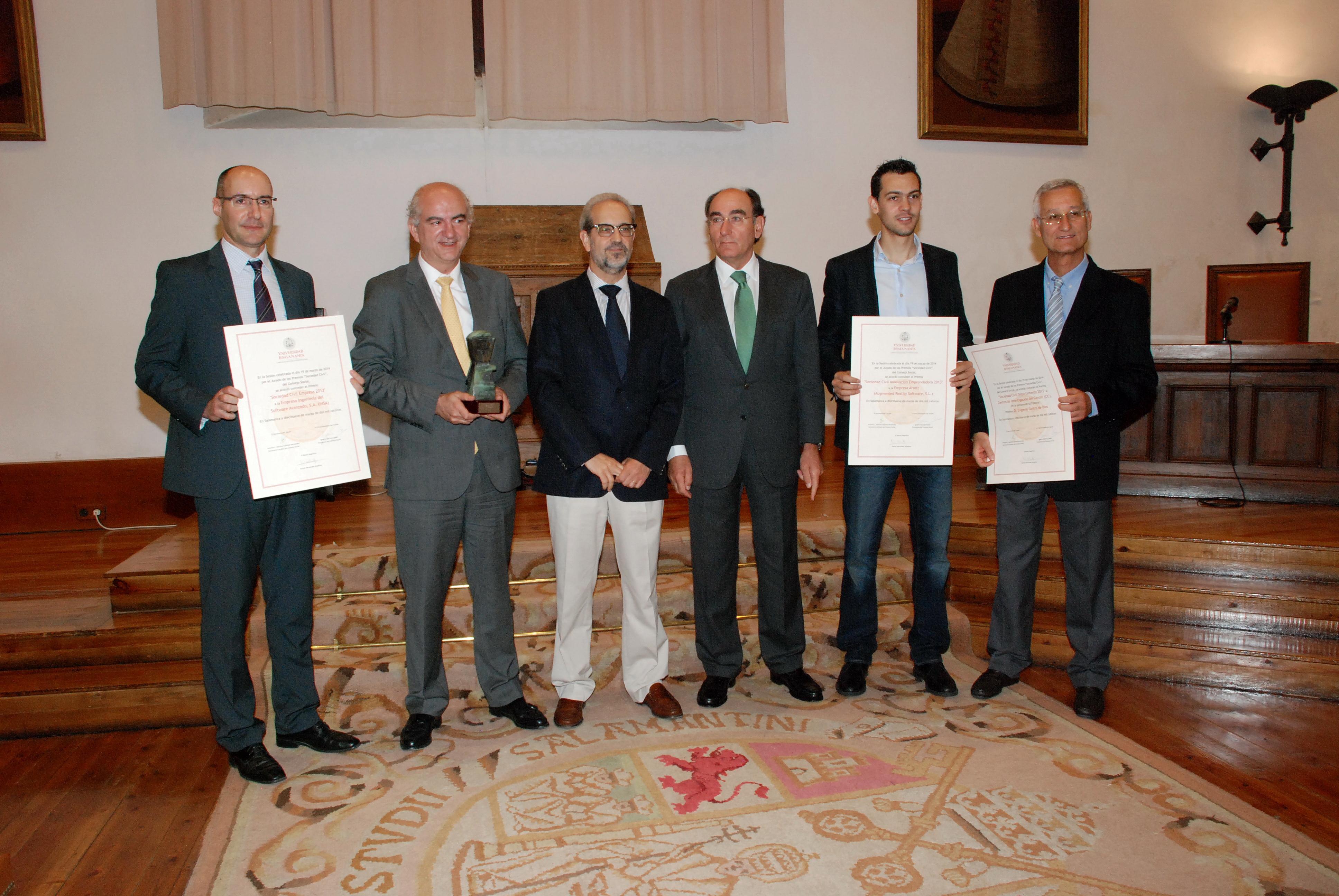 El Consejo Social de la Universidad de Salamanca entrega los Premios 'Sociedad Civil' 2013