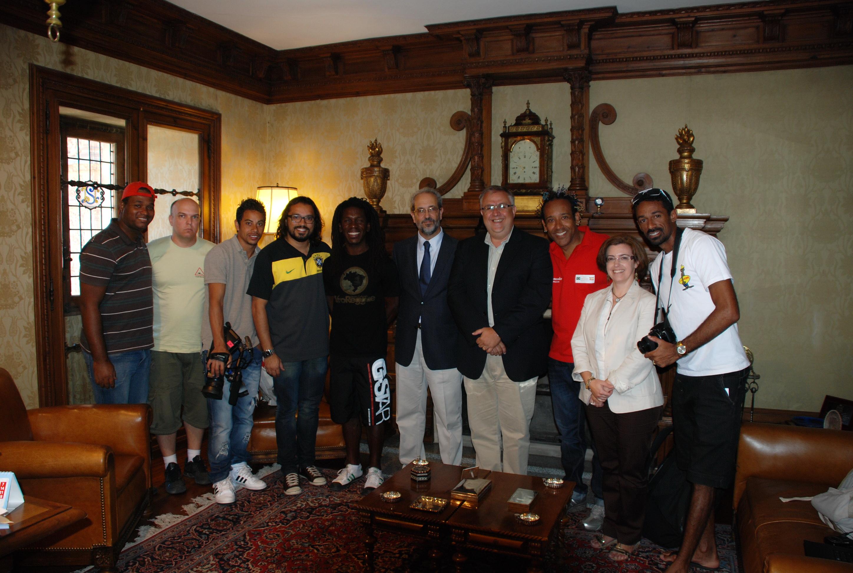 Visita estudiantes brasileños del programa Top España