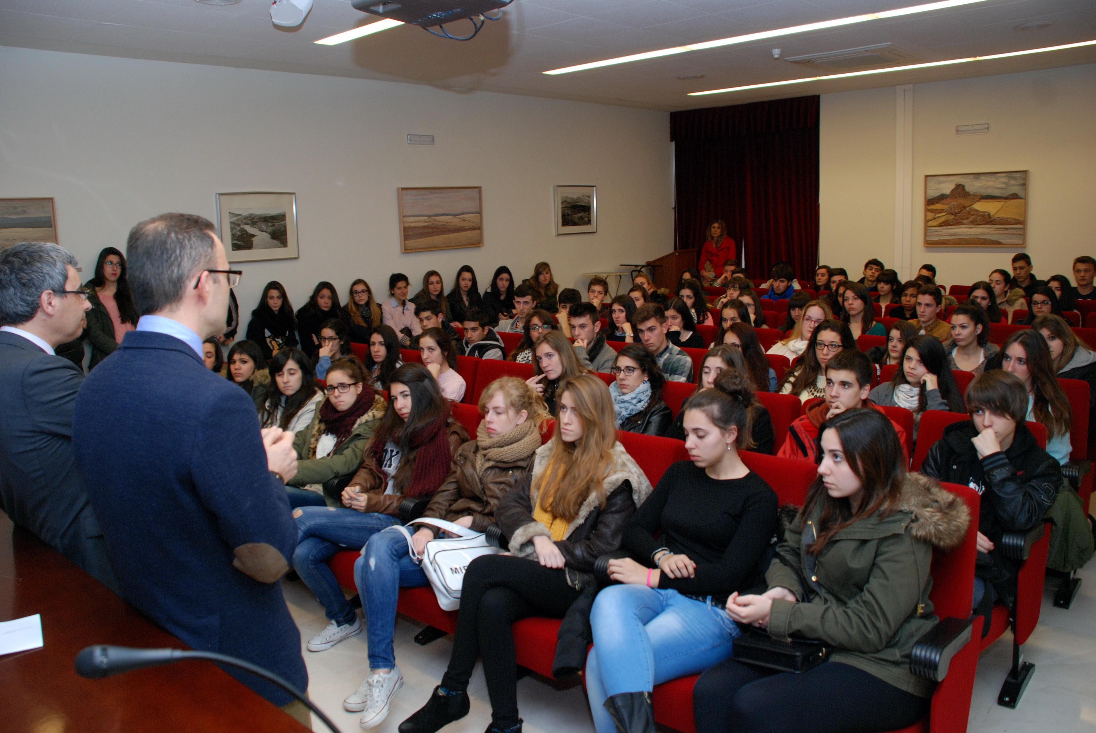 Cerca de 3.500 alumnos visitan los centros de la Universidad de Salamanca en sus Jornadas de Puertas Abiertas