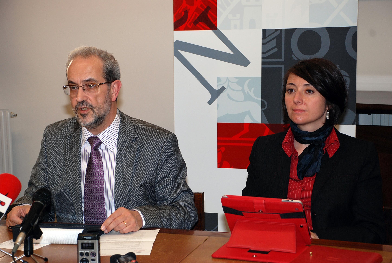 El Consejo de Gobierno de la Universidad de Salamanca aprueba la propuesta de doctorados honoris causa para Emilio Lamo de Espinosa y Salvador Gutiérrez Ordoñez