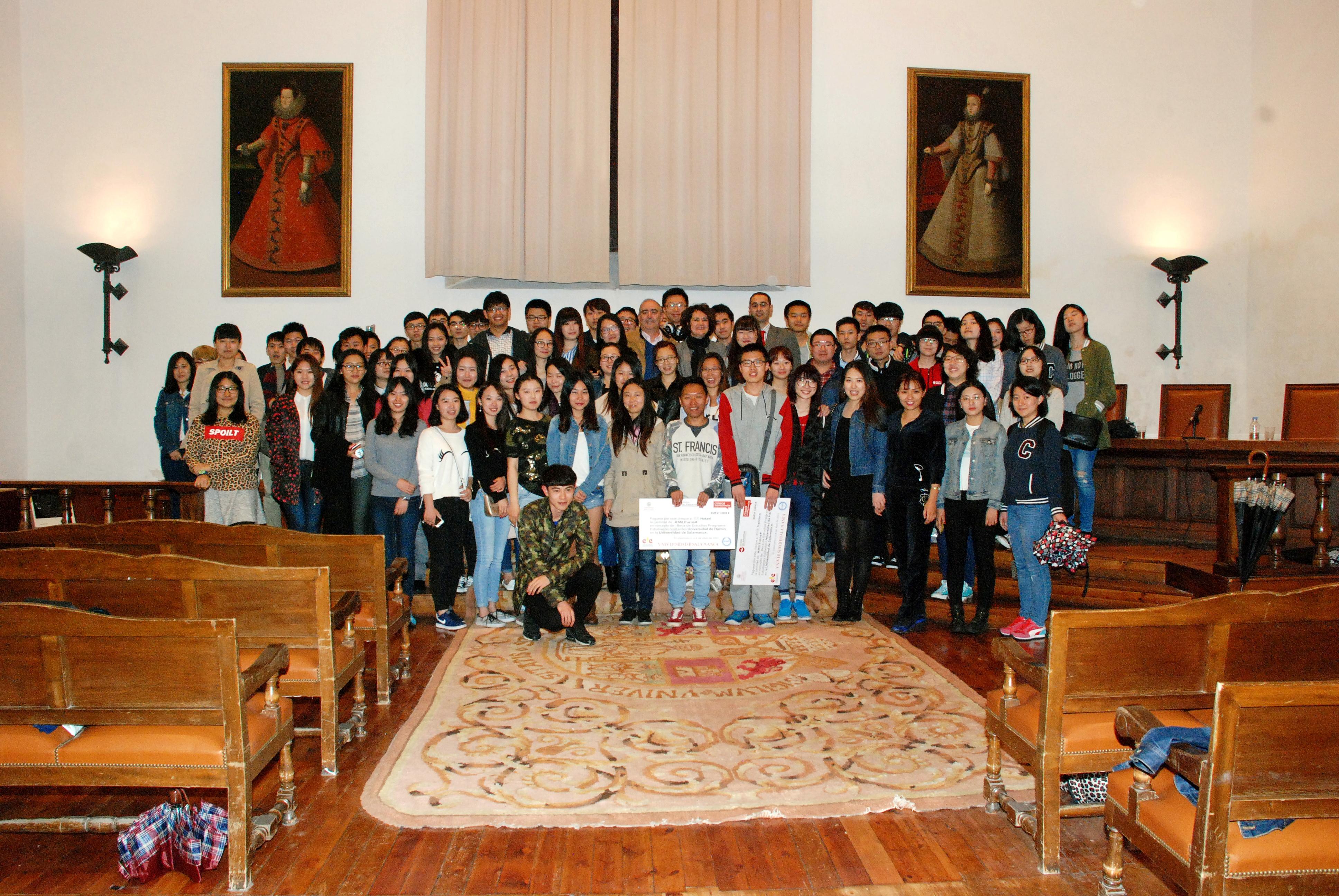 La Universidad de Salamanca recibe a un nutrido grupo de estudiantes chinos que ampliarán sus conocimientos de español en sus aulas