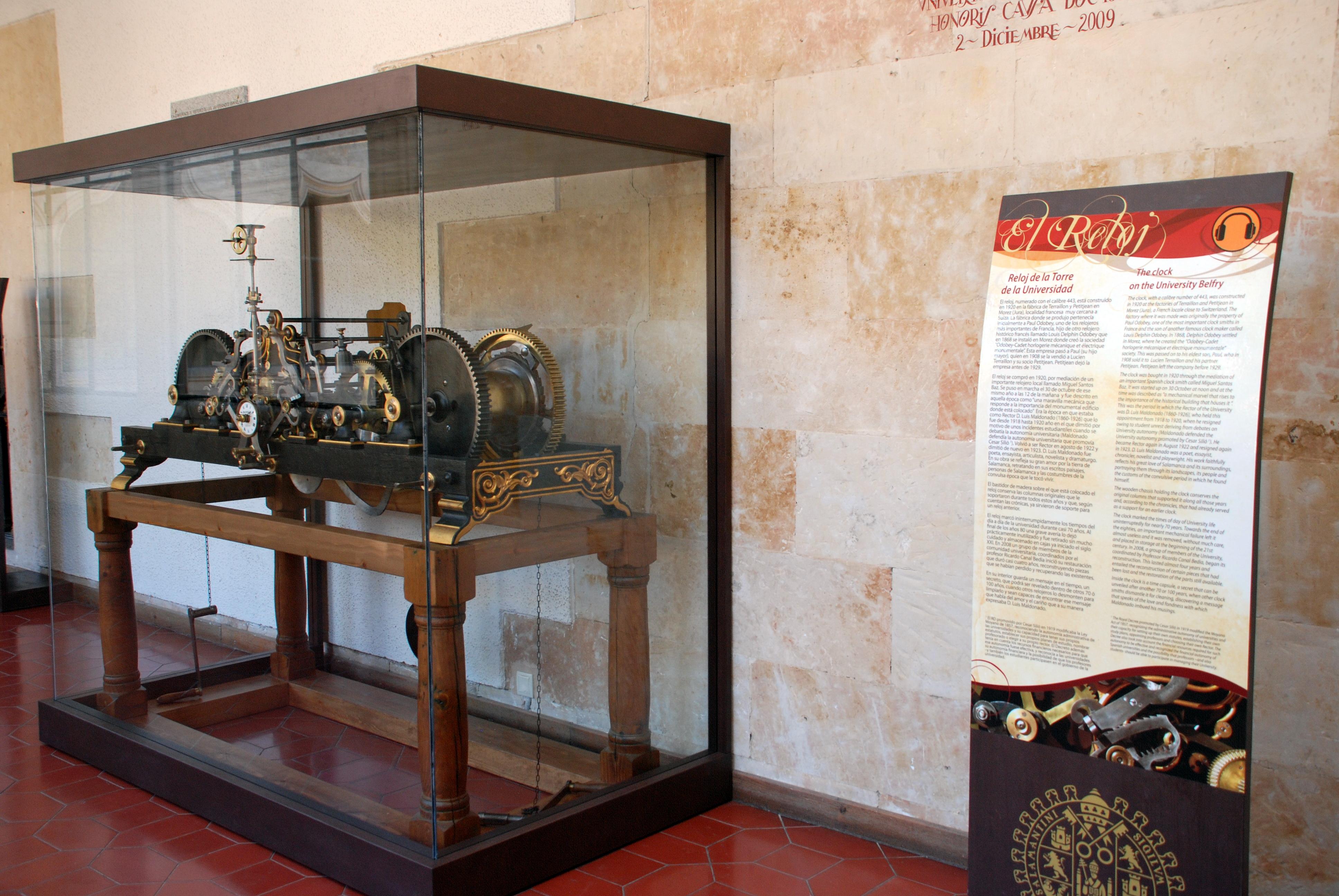 La Universidad de Salamanca recupera su histórico Reloj de la Torre