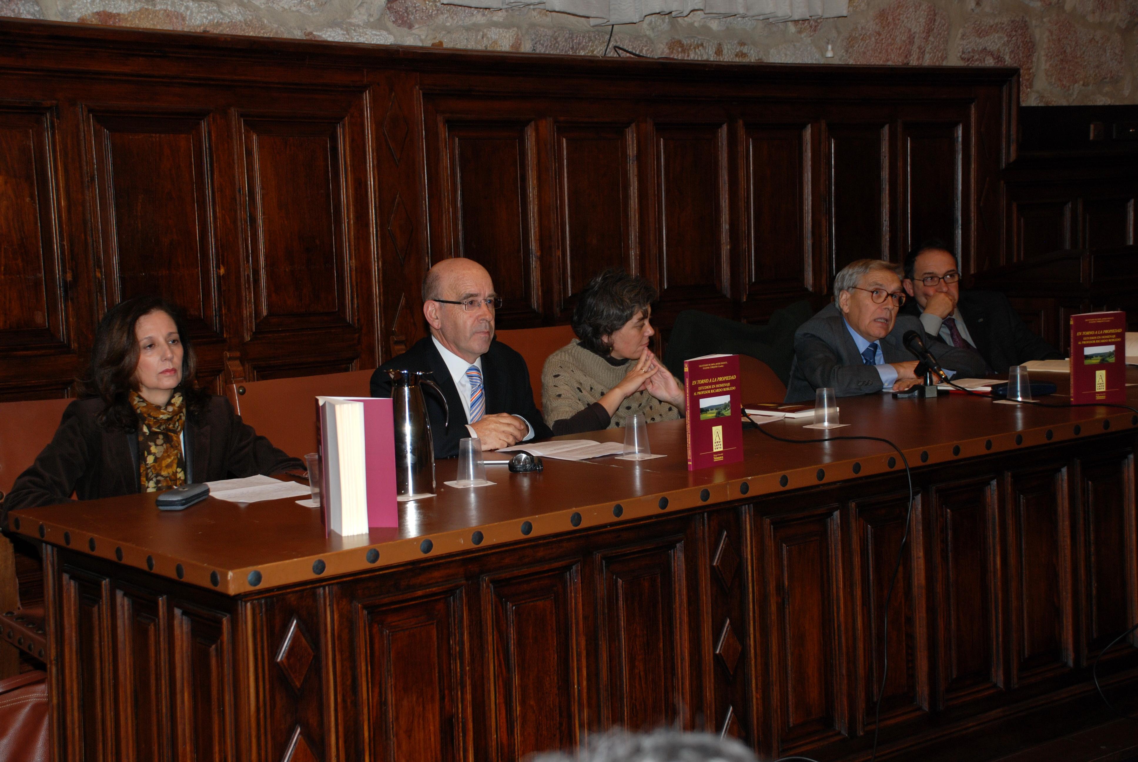 Ediciones Universidad de Salamanca publica un libro en homenaje al catedrático de Historia Económica Ricardo Robledo
