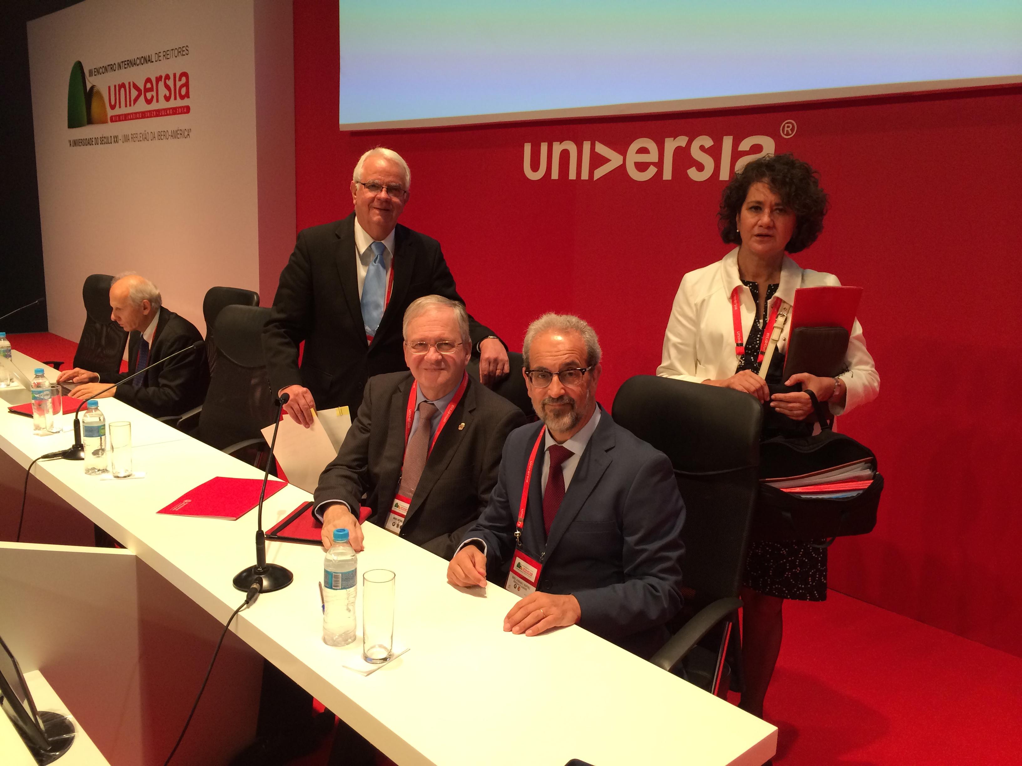Las universidades de Salamanca y São Paulo acuerdan un convenio de doble representación