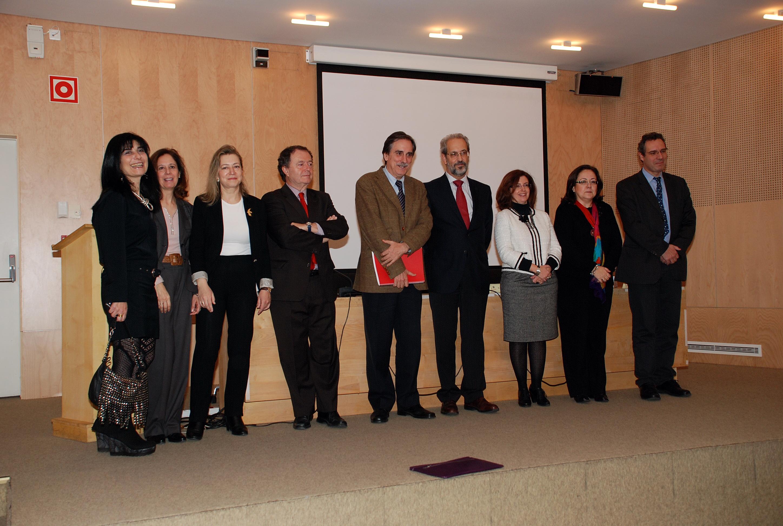 Raymond Torres, el exministro Valeriano Gómez y la diputada Mª Jesús Moro  participan en el Salón Rousseau